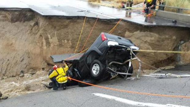 pickup-bridge-collapse-620.jpg