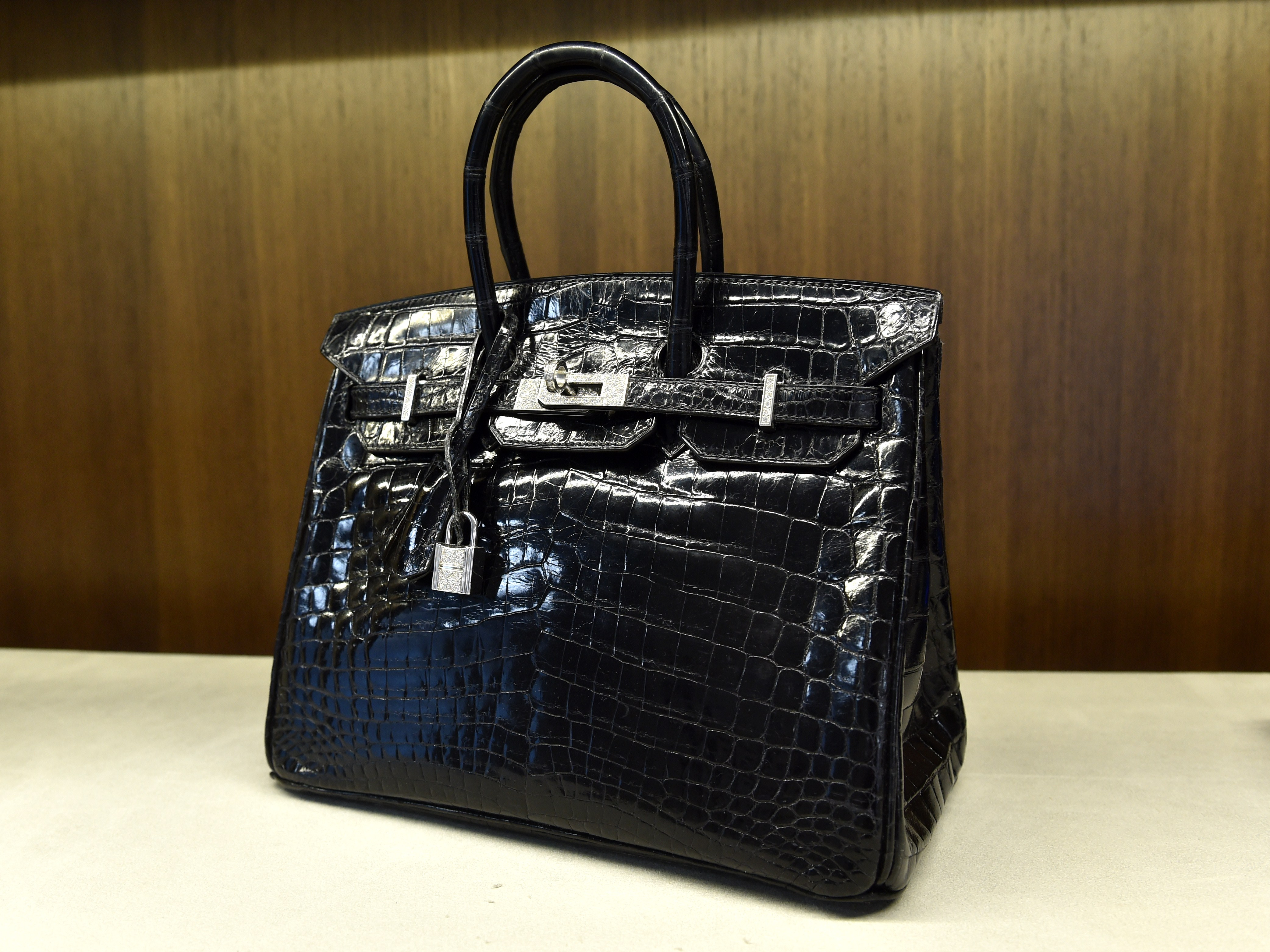 dcb26266cd34 Jane Birkin to Hermes  Take my name off croc handbag - CBS News
