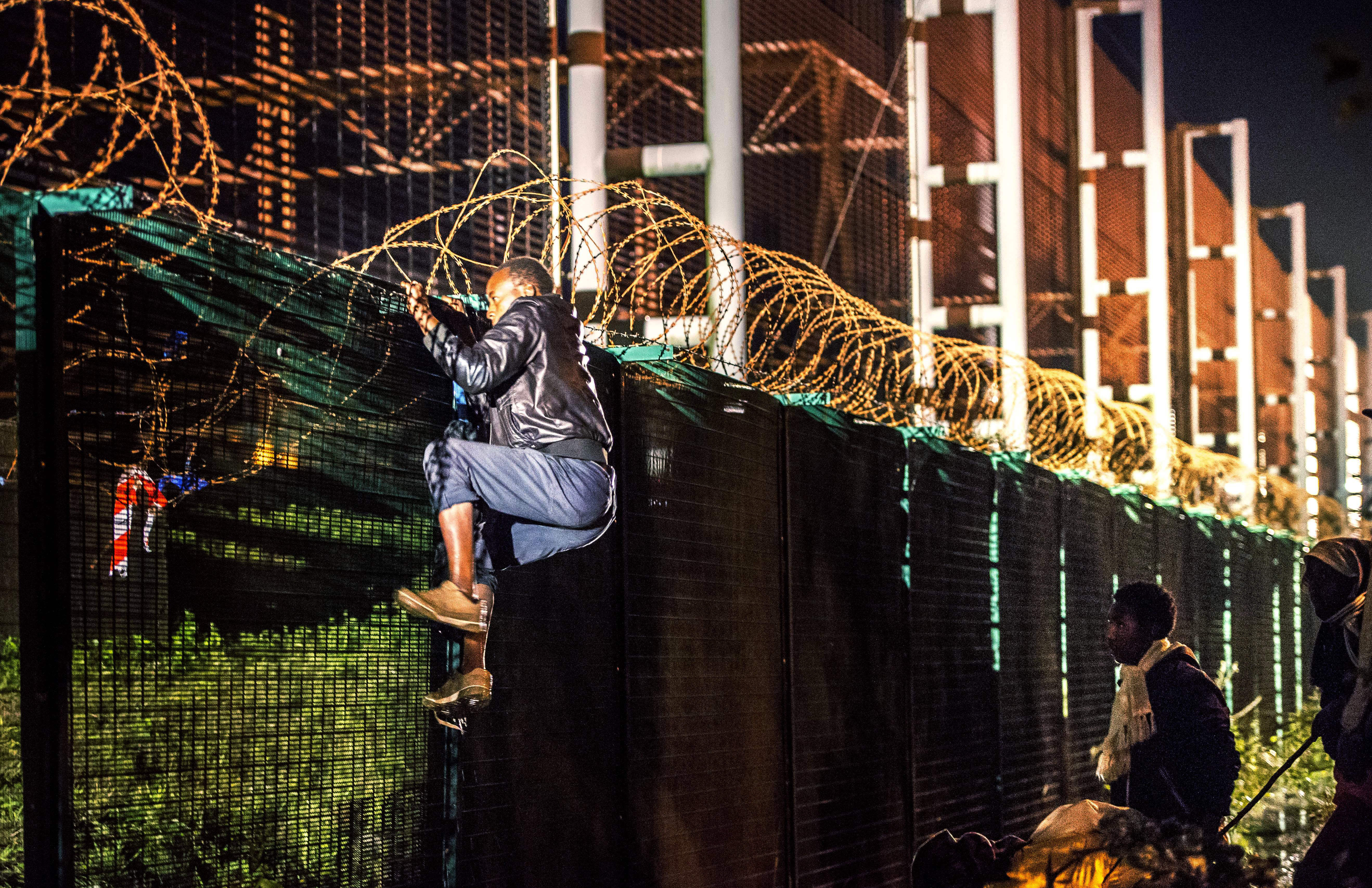 Migrants In Calais France And Britian Struggle With