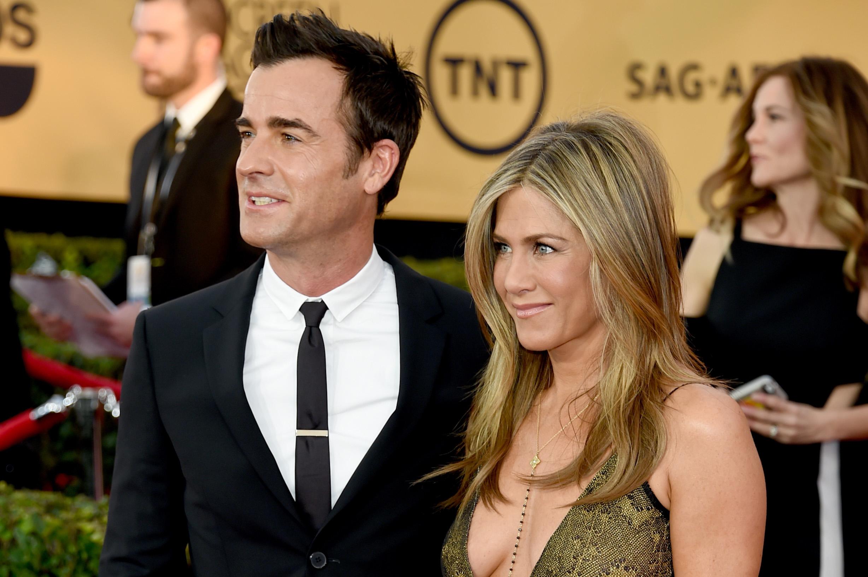 Jennifer Aniston Wedding.Fake Jennifer Aniston Wedding Dress Fools The Internet Cbs