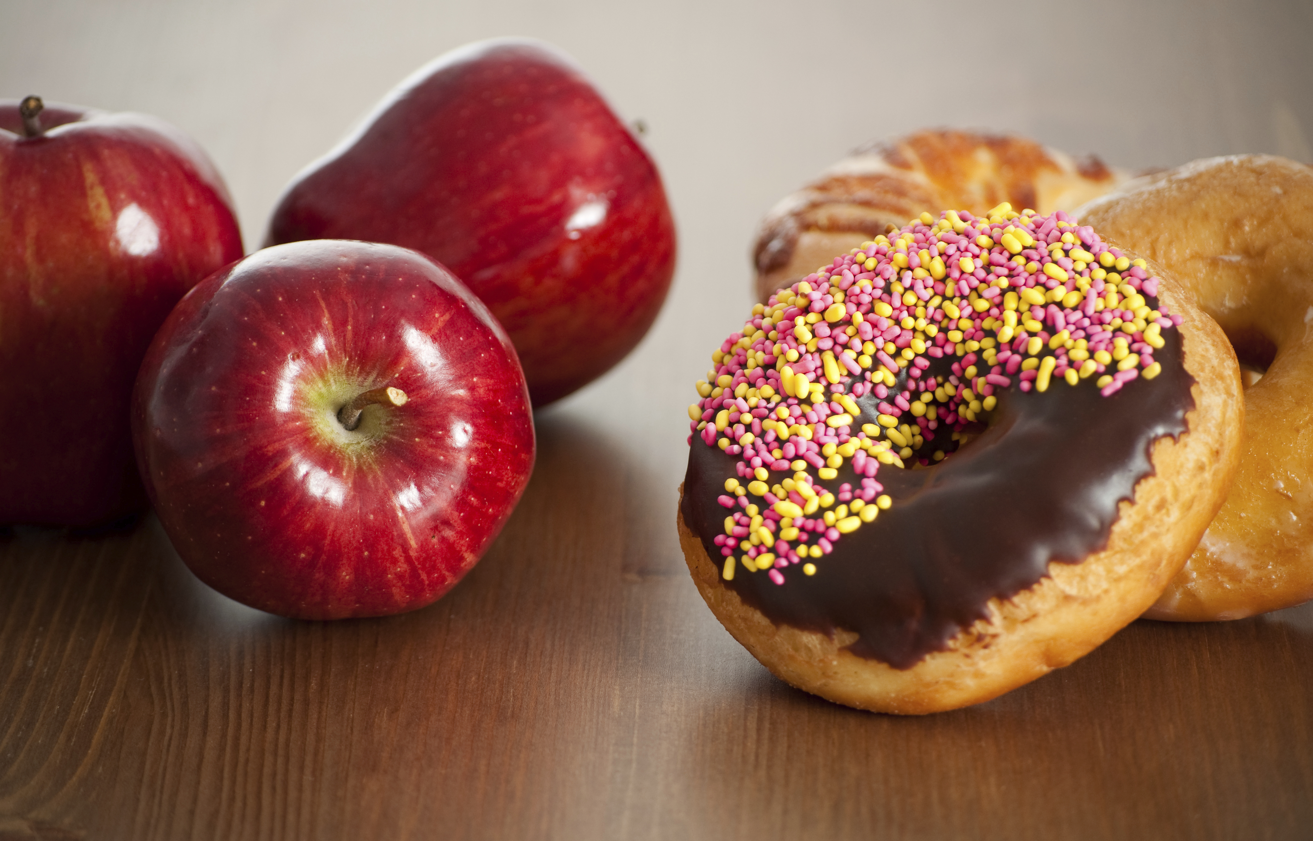 Flexible dieting trend leaves room for doughnuts - CBS News