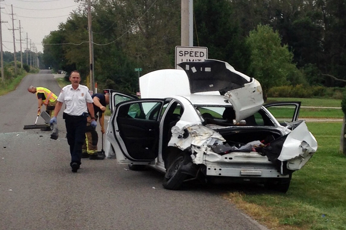 Indiana kosciusko county syracuse - Woman Flees Spider Leaps From Car And Causes Bus Crash In Indiana Cbs News