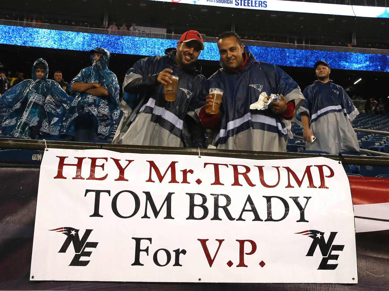 1f1adfbc8 Is Donald Trump right about getting Tom Brady's vote? - CBS News