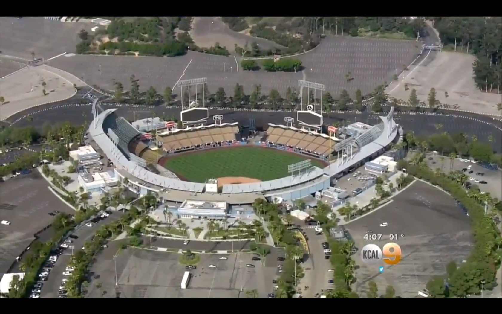 Fan critically injured in fight outside Dodger Stadium - CBS News