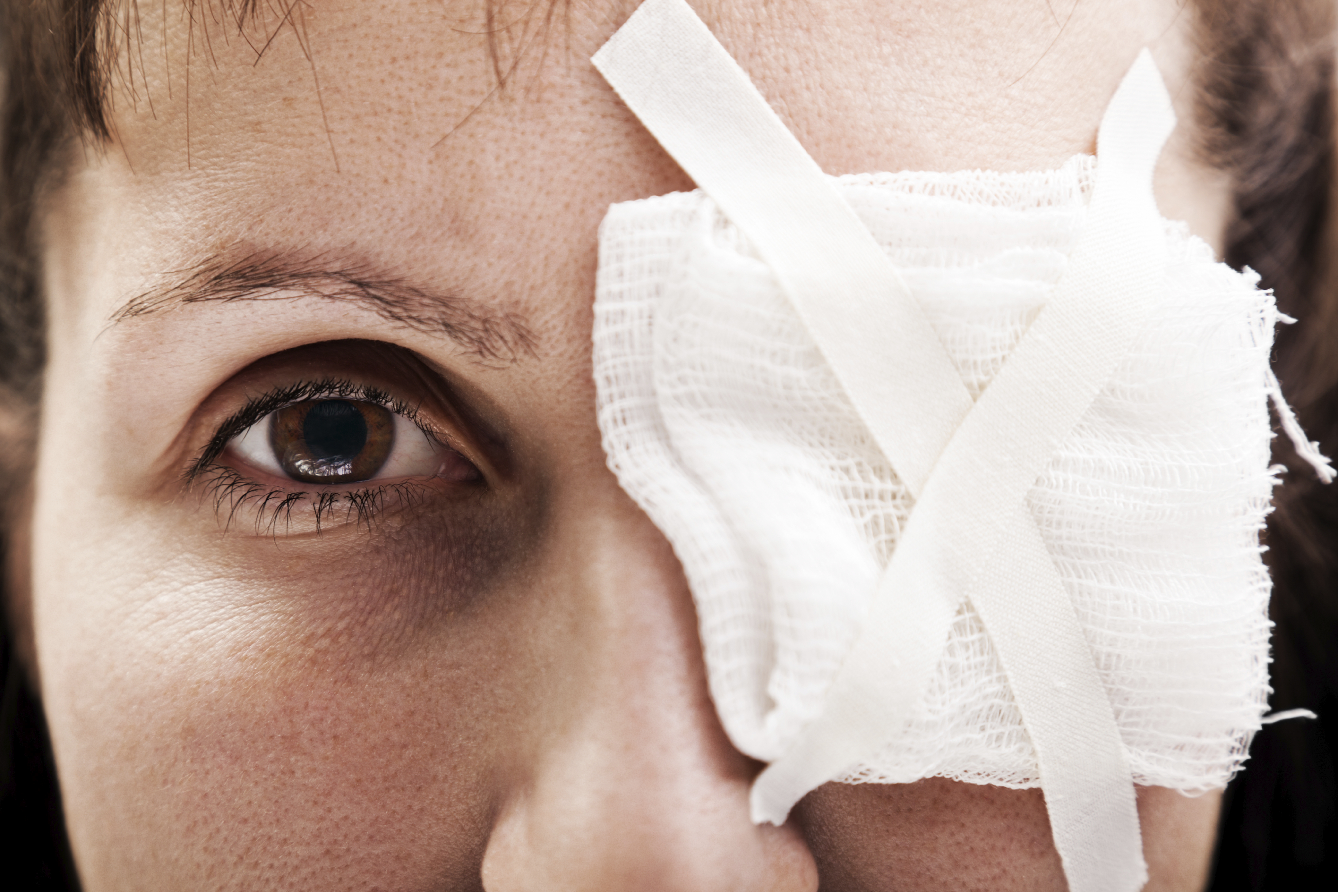 The most common causes of eye injuries in the U S  - CBS News