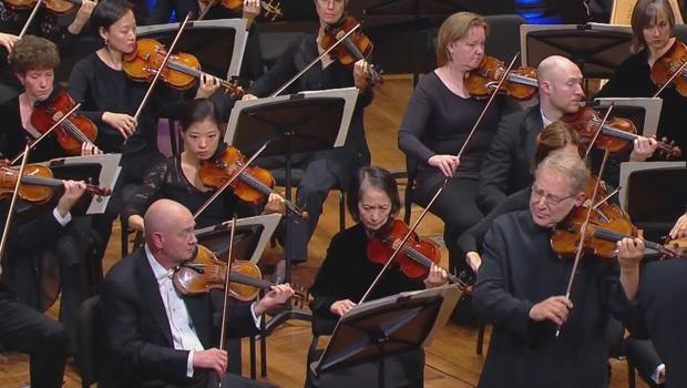 violins-of-hope-cleveland-orchestra-620.jpg