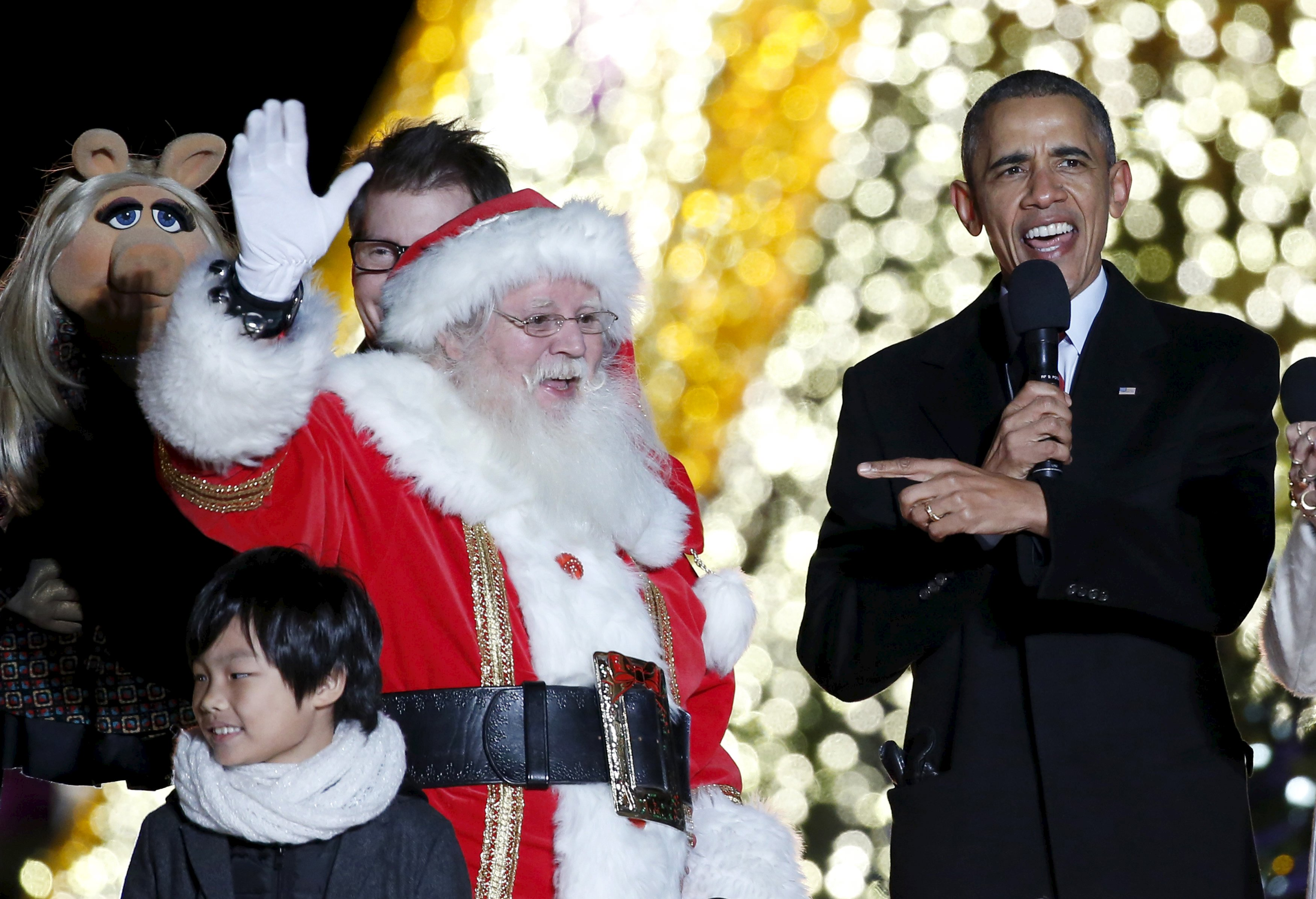 Obama Christmas.Barack And Michelle Obama Celebrate American Values Troops