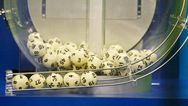 Winners Of 1 58b Florida Powerball Jackpot Stepping Forward Cbs News