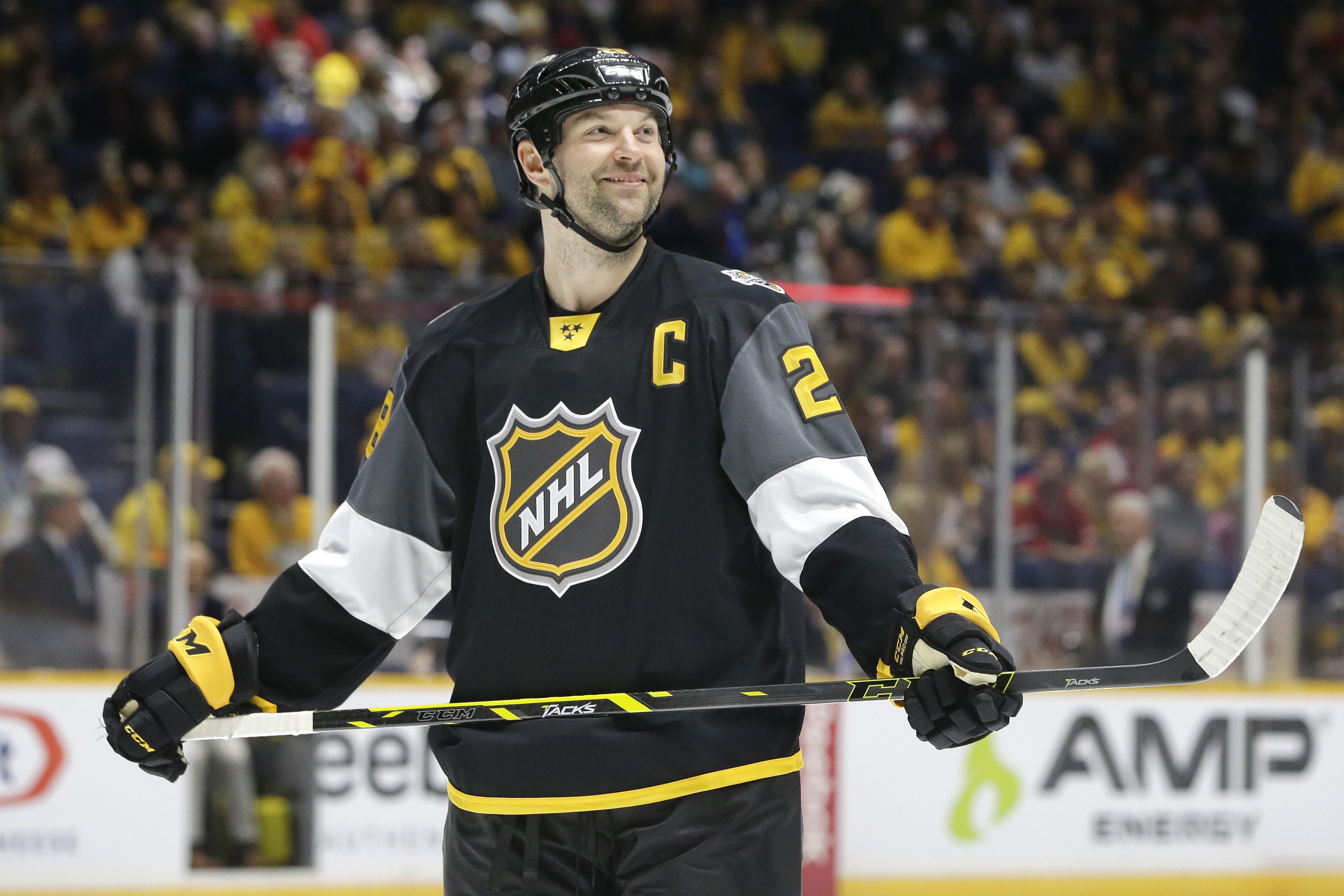 John Scott gets MVP at NHL All-Star Game - CBS News