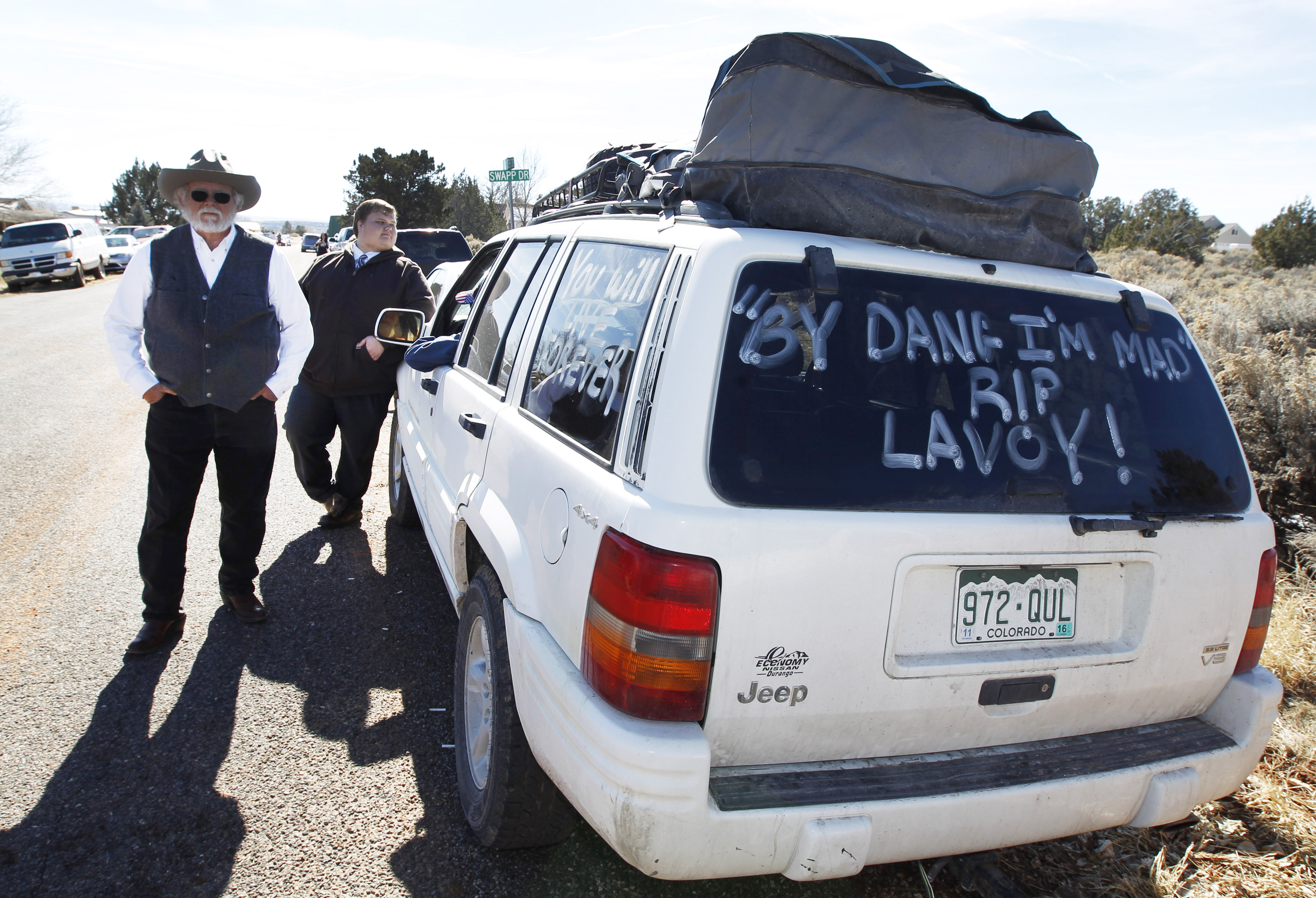 Pickup Trucks And American Flags At Funeral For Arizona Rancher Robert Lavoy Finicum Spokesman Of Oregon Standoff Cbs News