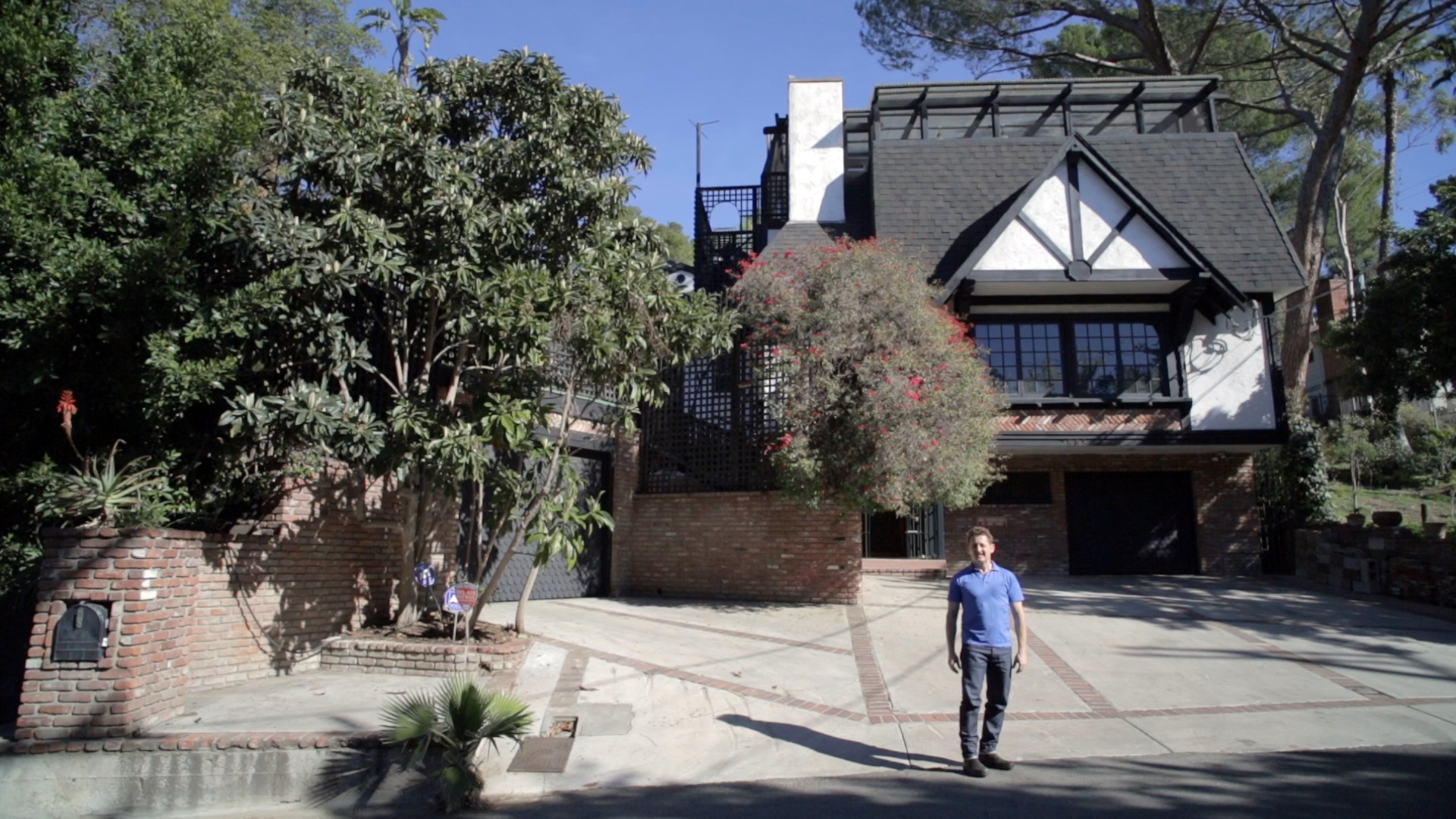 Freak out buy frank zappas house for 9 million cbs news for The laurel house