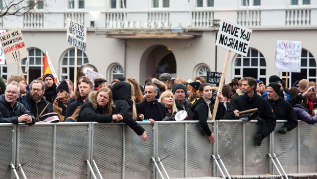 iceland-protest-620-gettyimages-519535068.jpg
