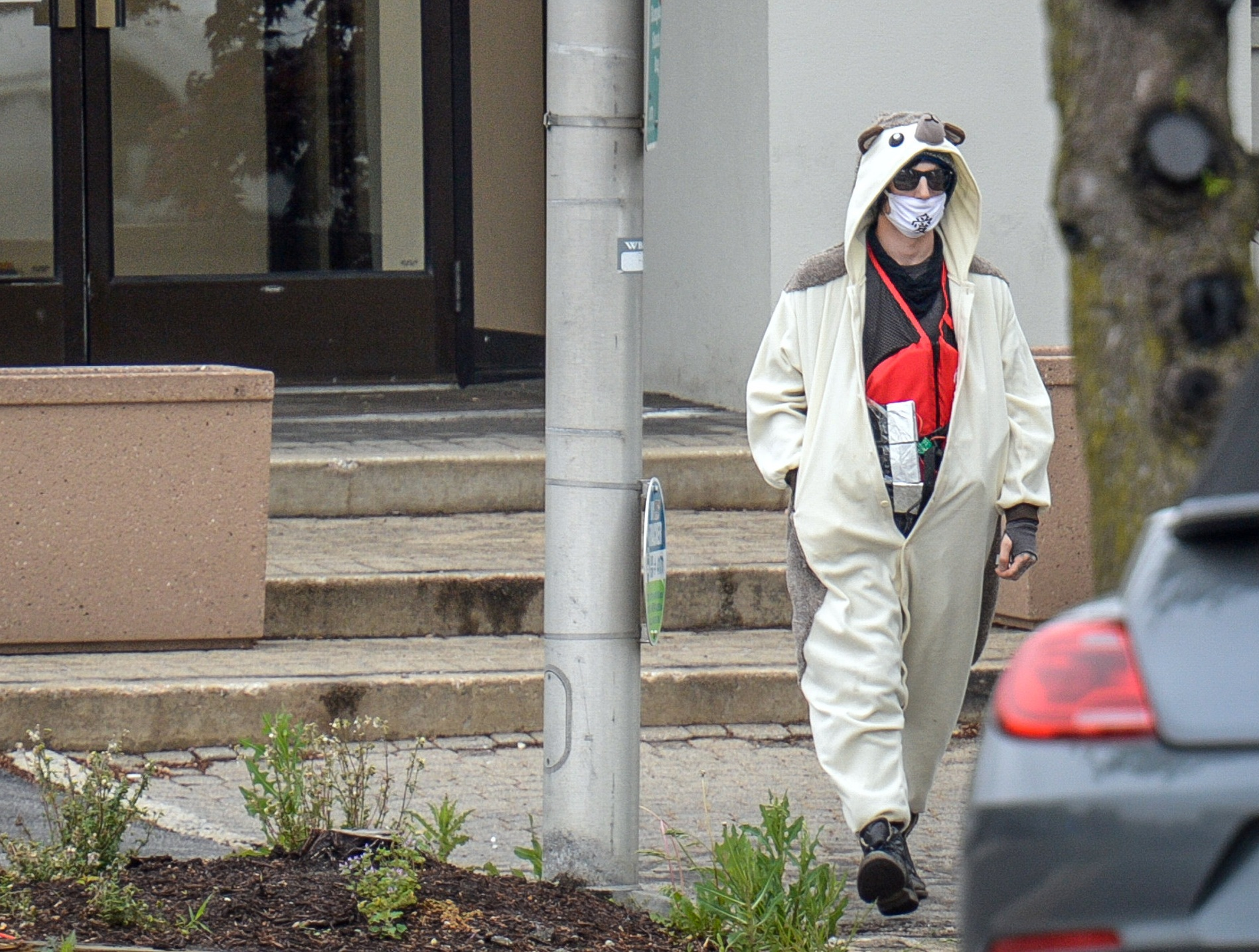 204fde6931cb Maryland man in hedgehog onesie shot at Baltimore TV station thought ...