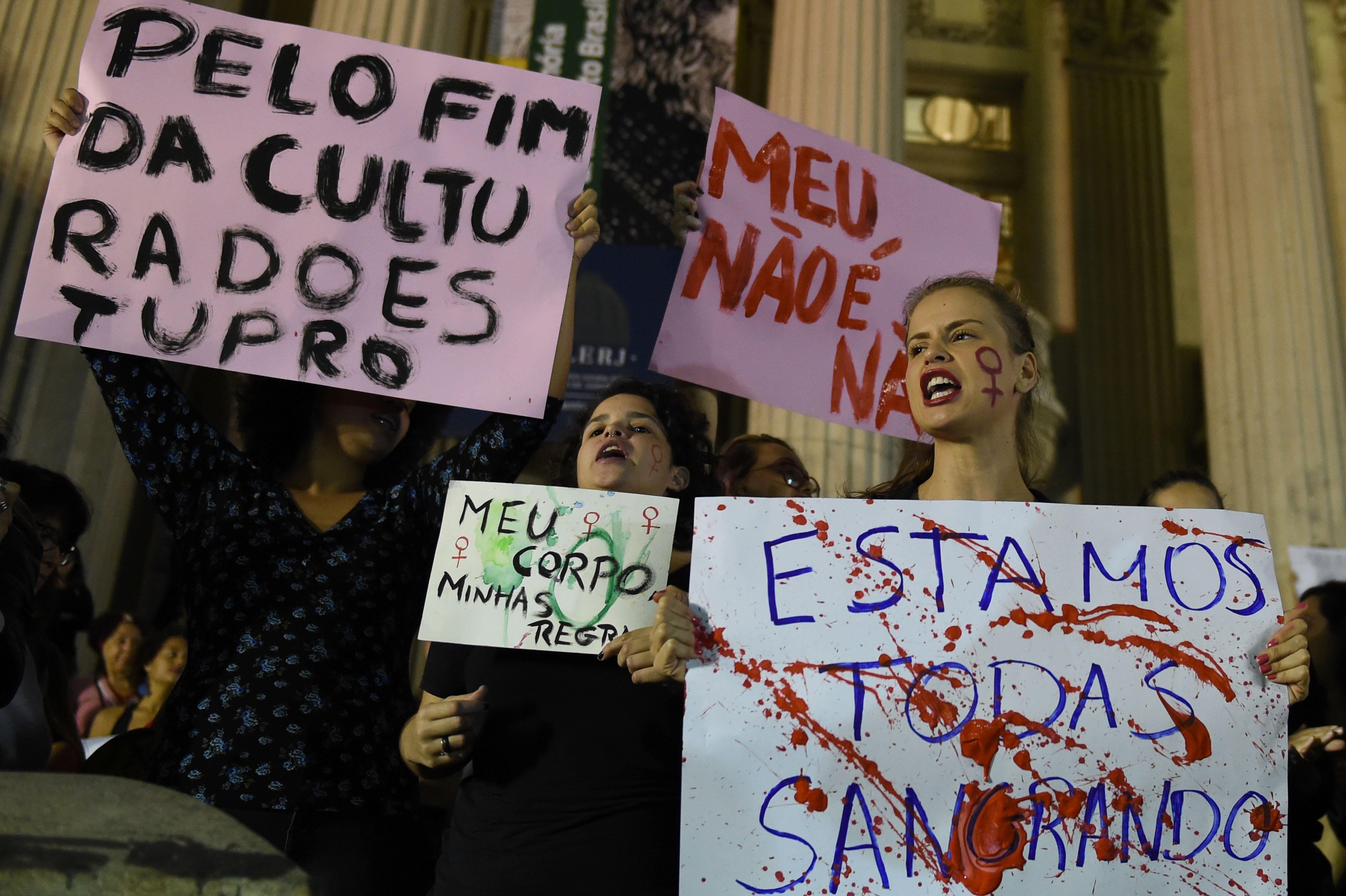 Brazilian Police Seek Dozens Of Men In Teens Gang Rape - Cbs News-3656
