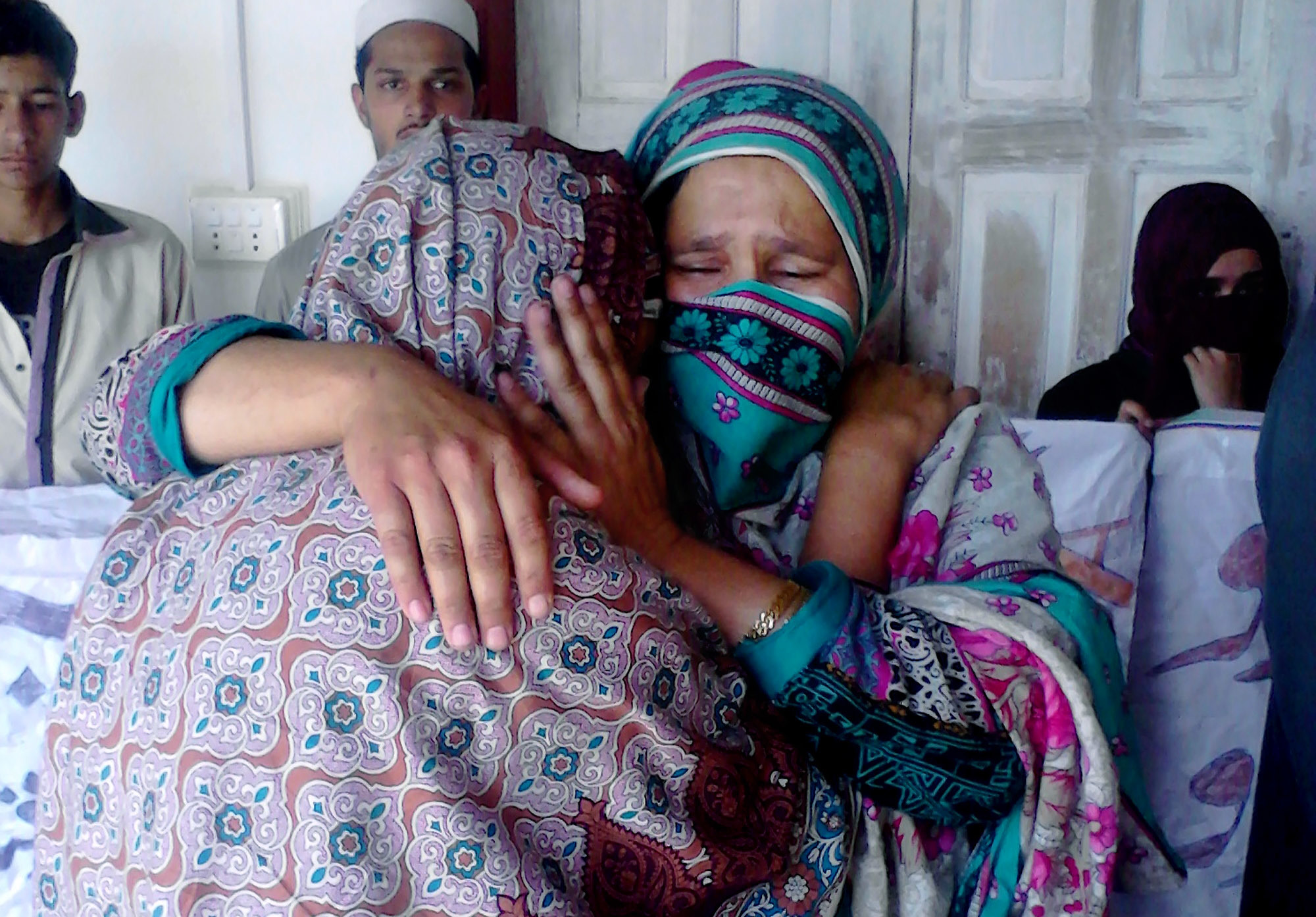 Arrests in burning death of Pakistan woman who refused