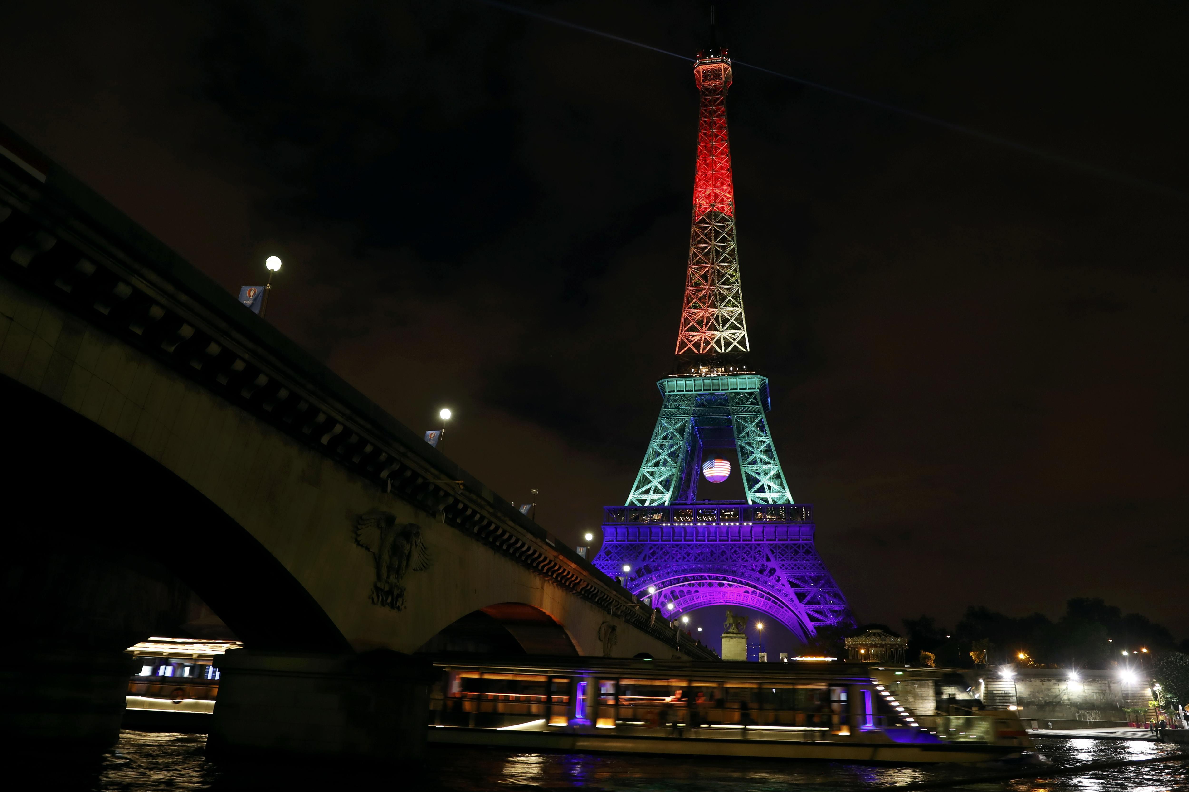 Gay tower paris