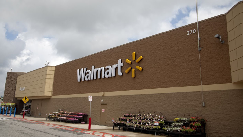 Cops: Walmart worker took manager hostage after dispute - CBS News