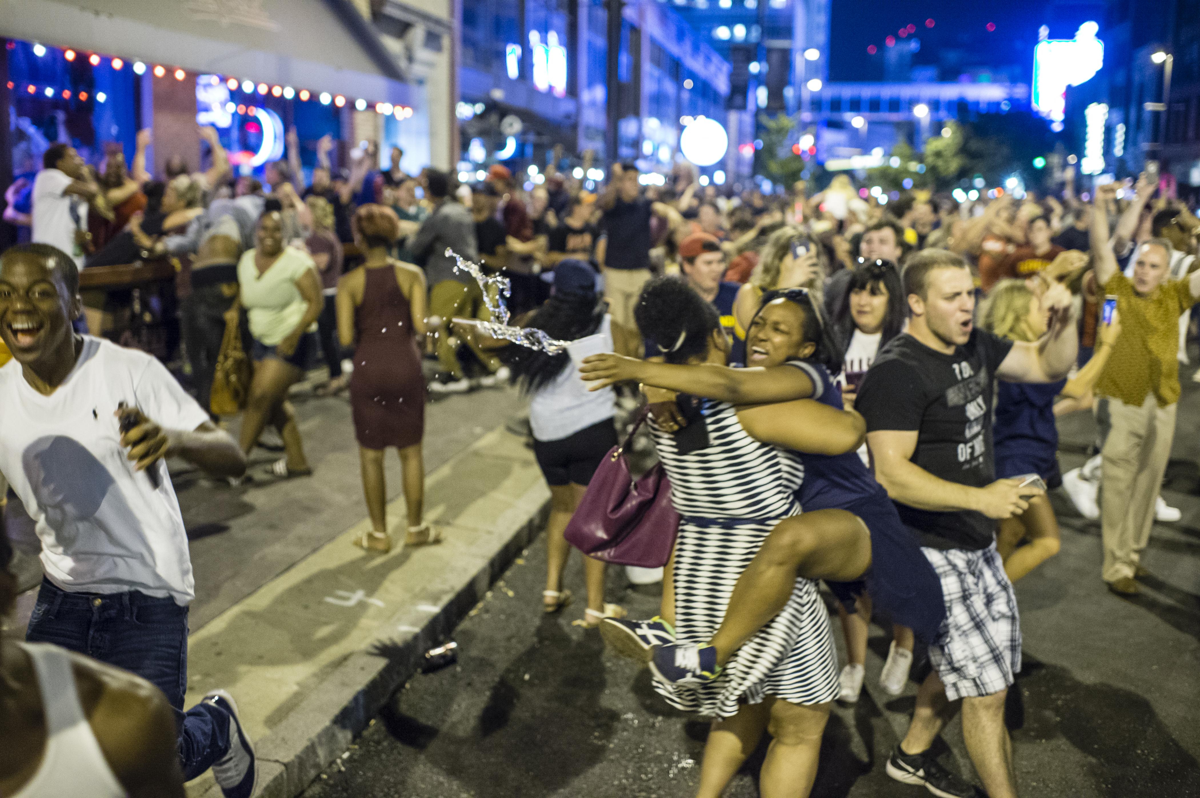 Cleveland fans rock with glee after Cavs win NBA Finals - CBS News