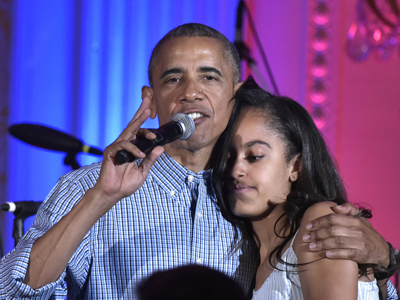 "Obama marks July 4th, sings ""Happy Birthday"" to Malia ..."
