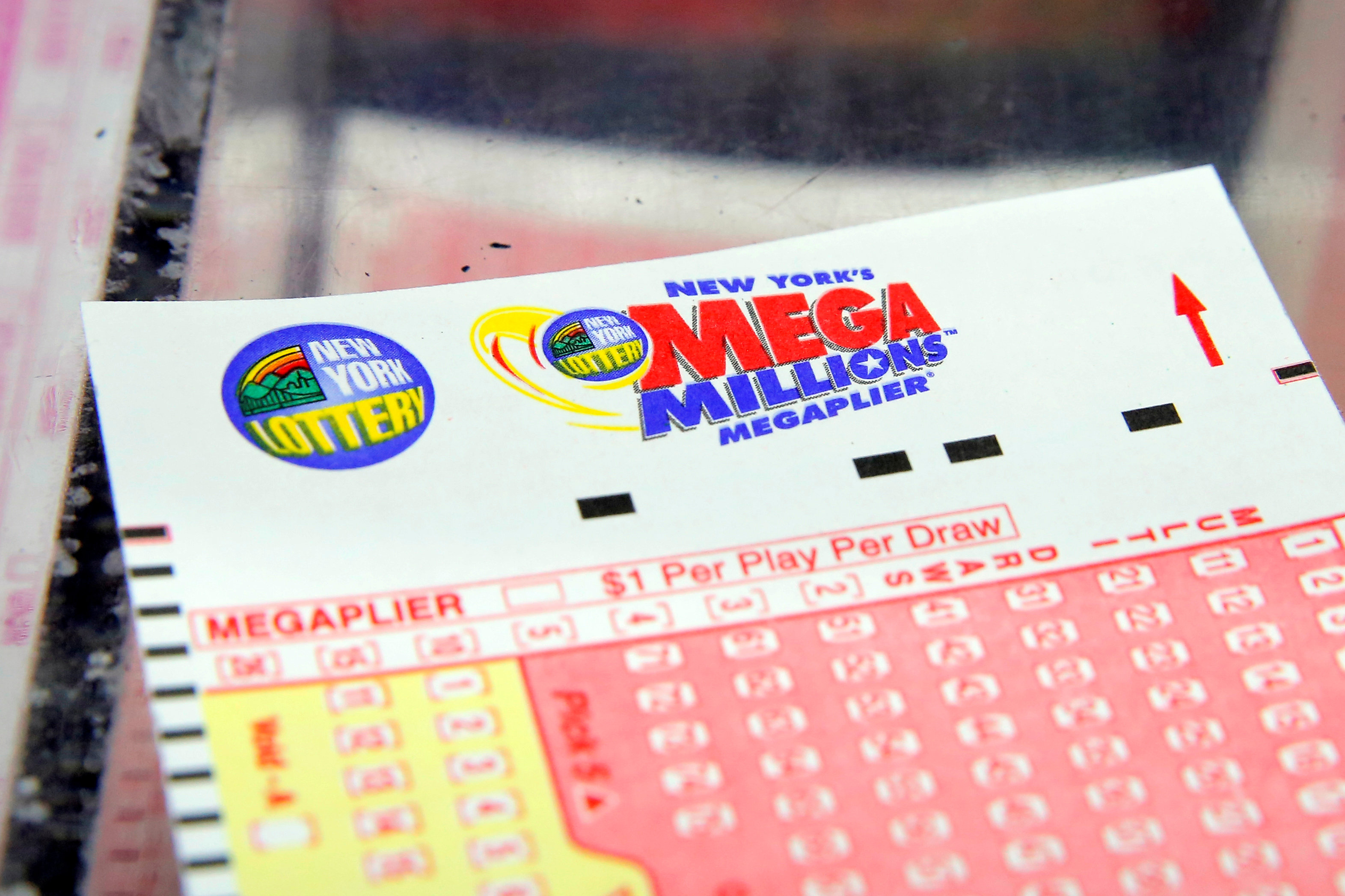 Mega Millions winning numbers announced for $548 million jackpot - CBS News