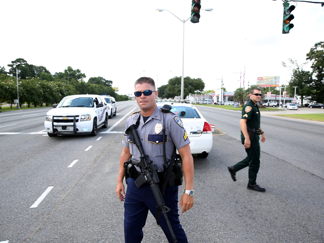 3 police killed, 3 more wounded in Baton Rouge - CBS News