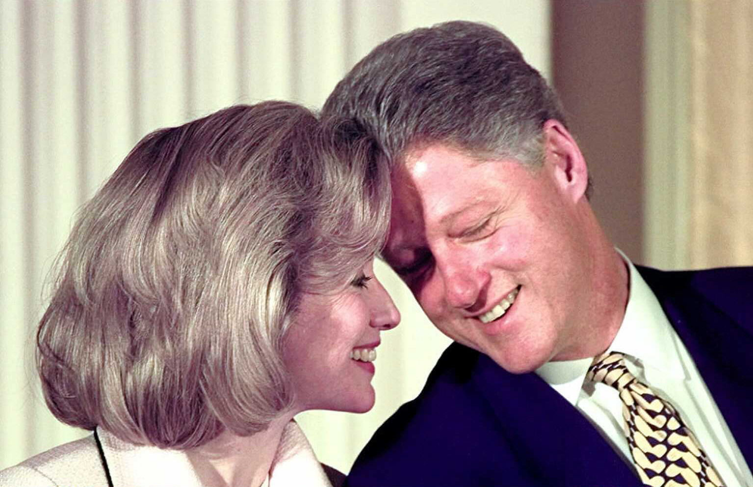 Bill and hillary vintage clintons pictures cbs news - Bill clinton years in office ...