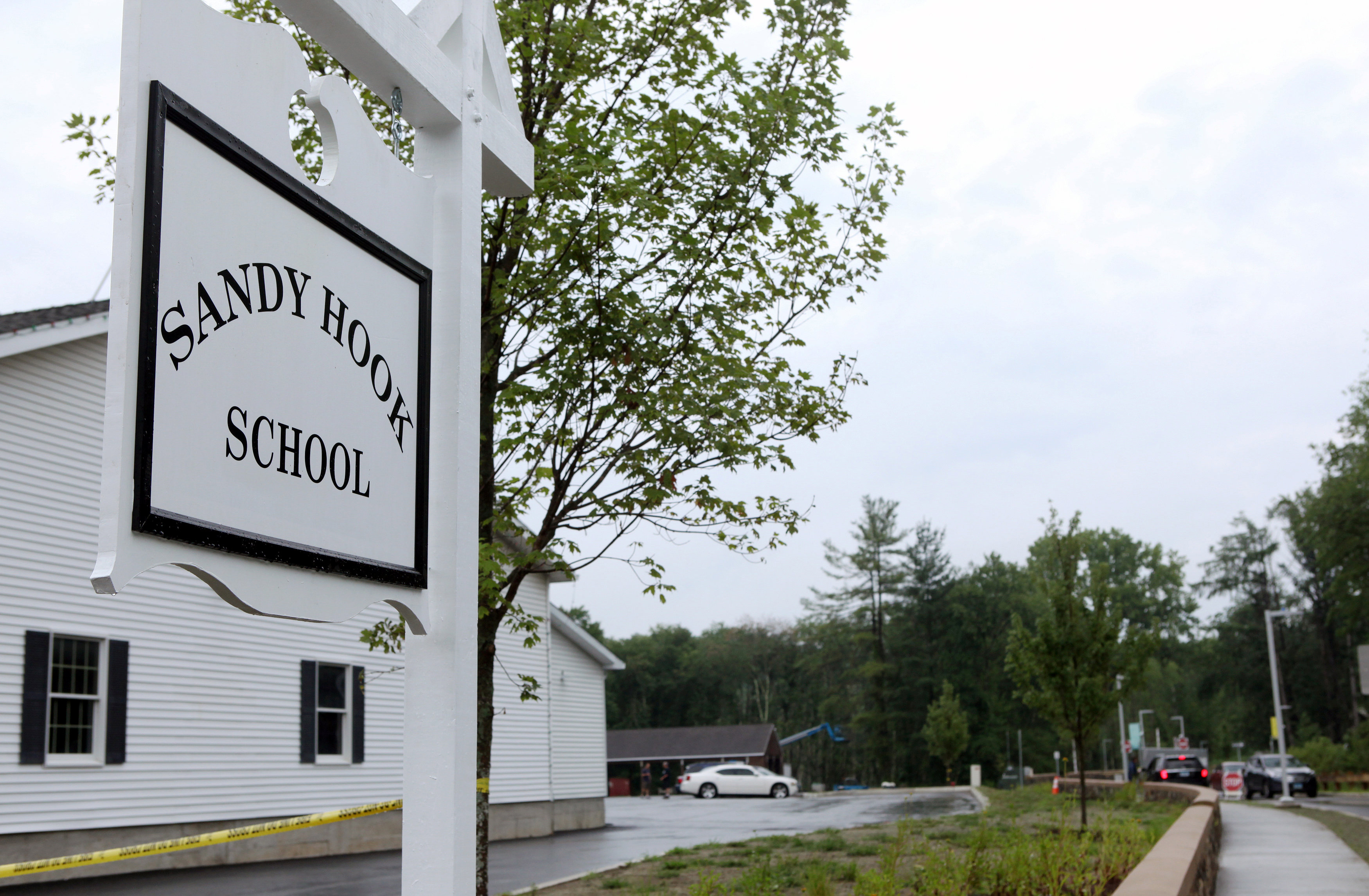 Two Years Post Newtown Whats Changed >> New Sandy Hook School Reopens Nearly 4 Years After Massacre Cbs News