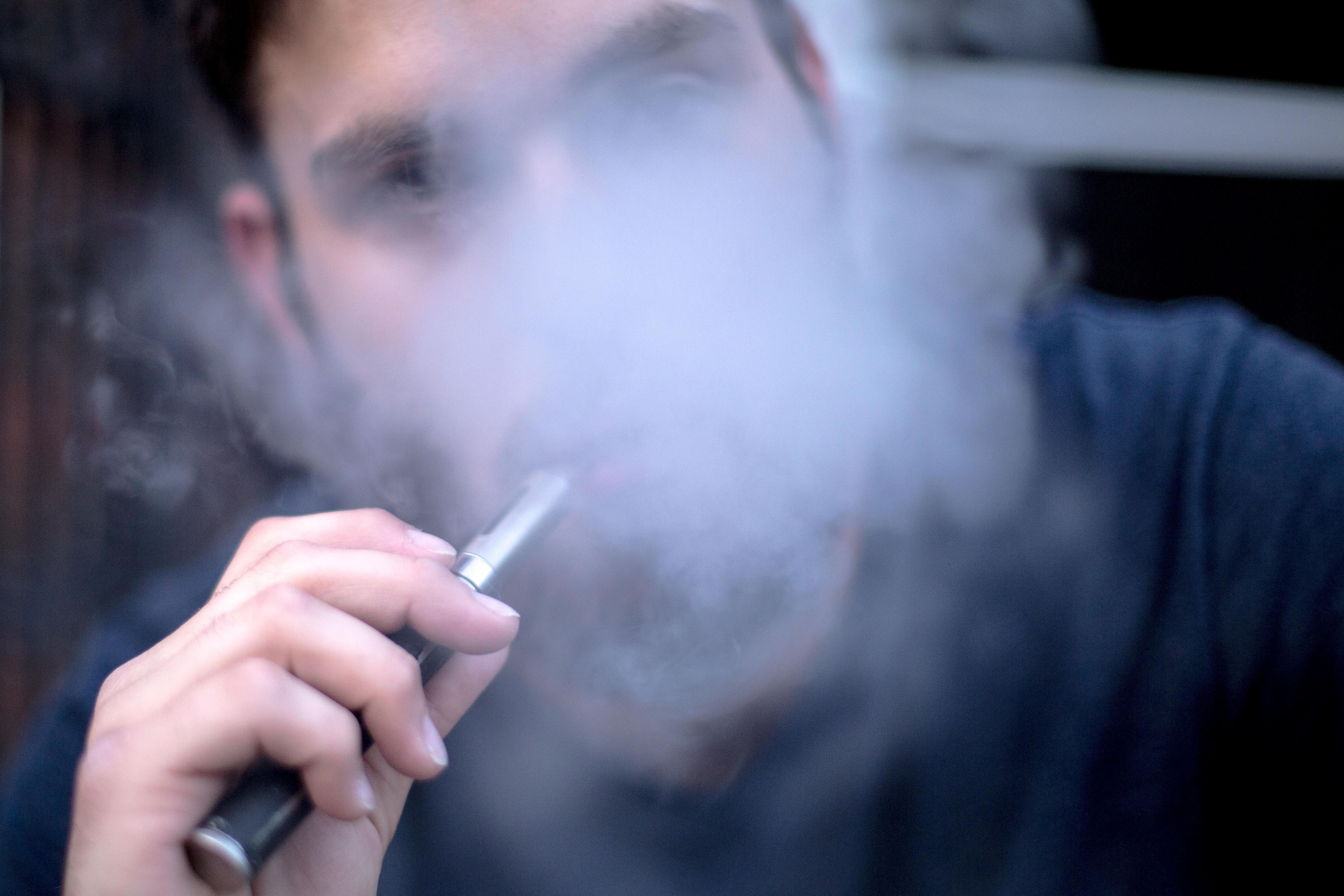 New Jersey police warn parents about THC drug-laced vape pens - CBS News