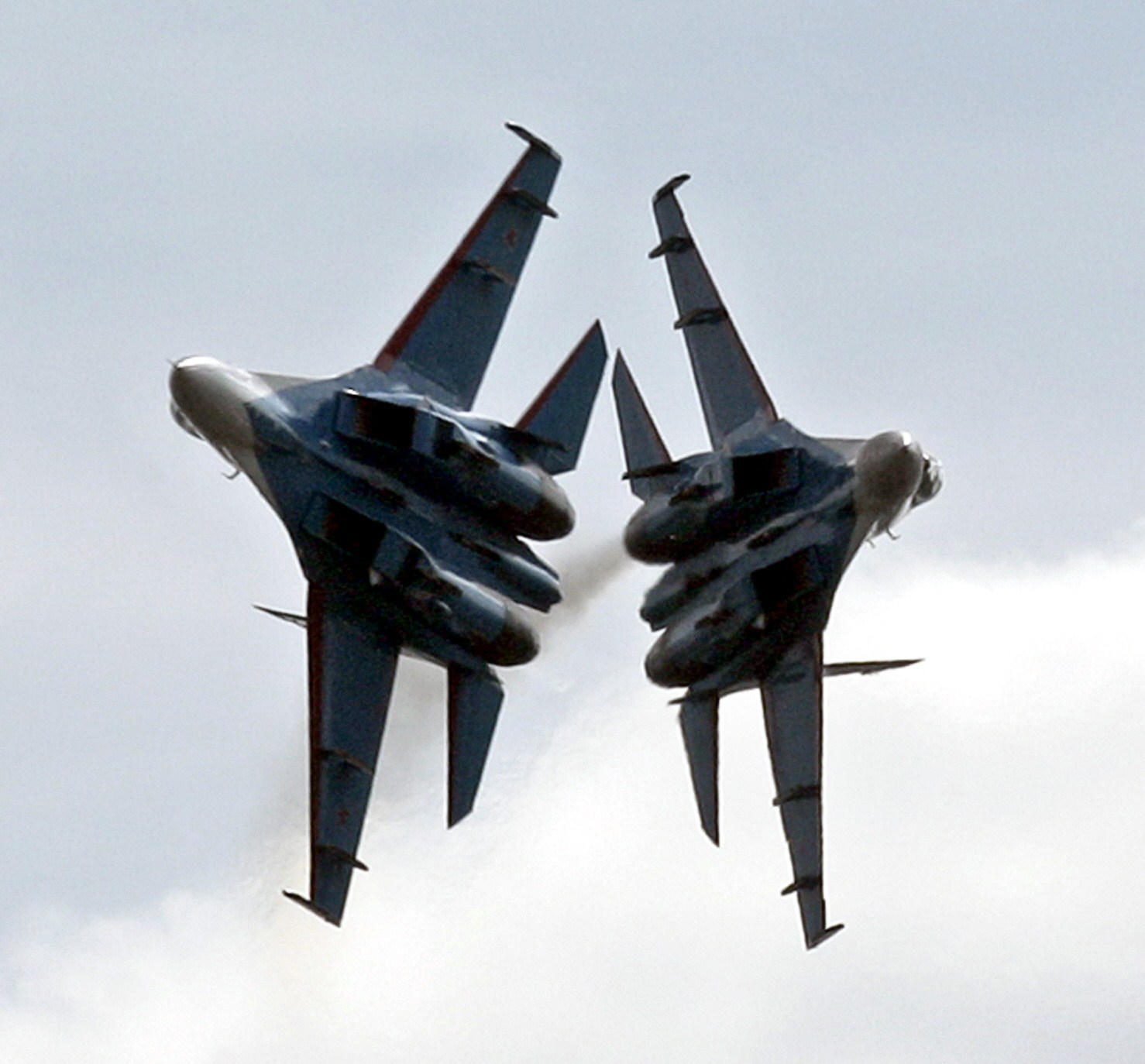 Russia fighter jet flies within 10 feet of U.S. Navy aircraft