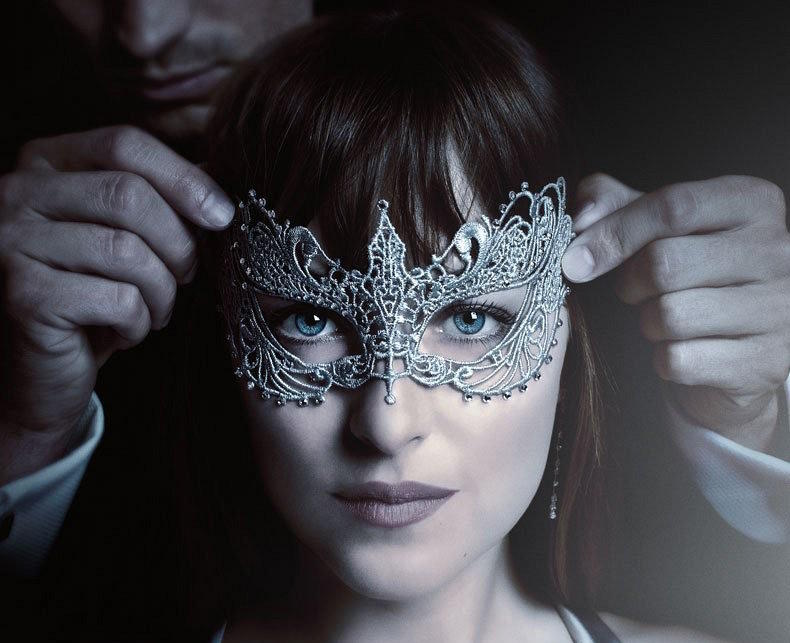 The First Fifty Shades Darker Trailer Is Here Cbs News