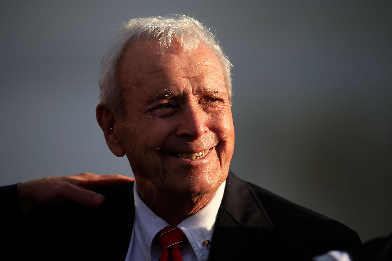 arnold palmer golf legend dead at cbs news