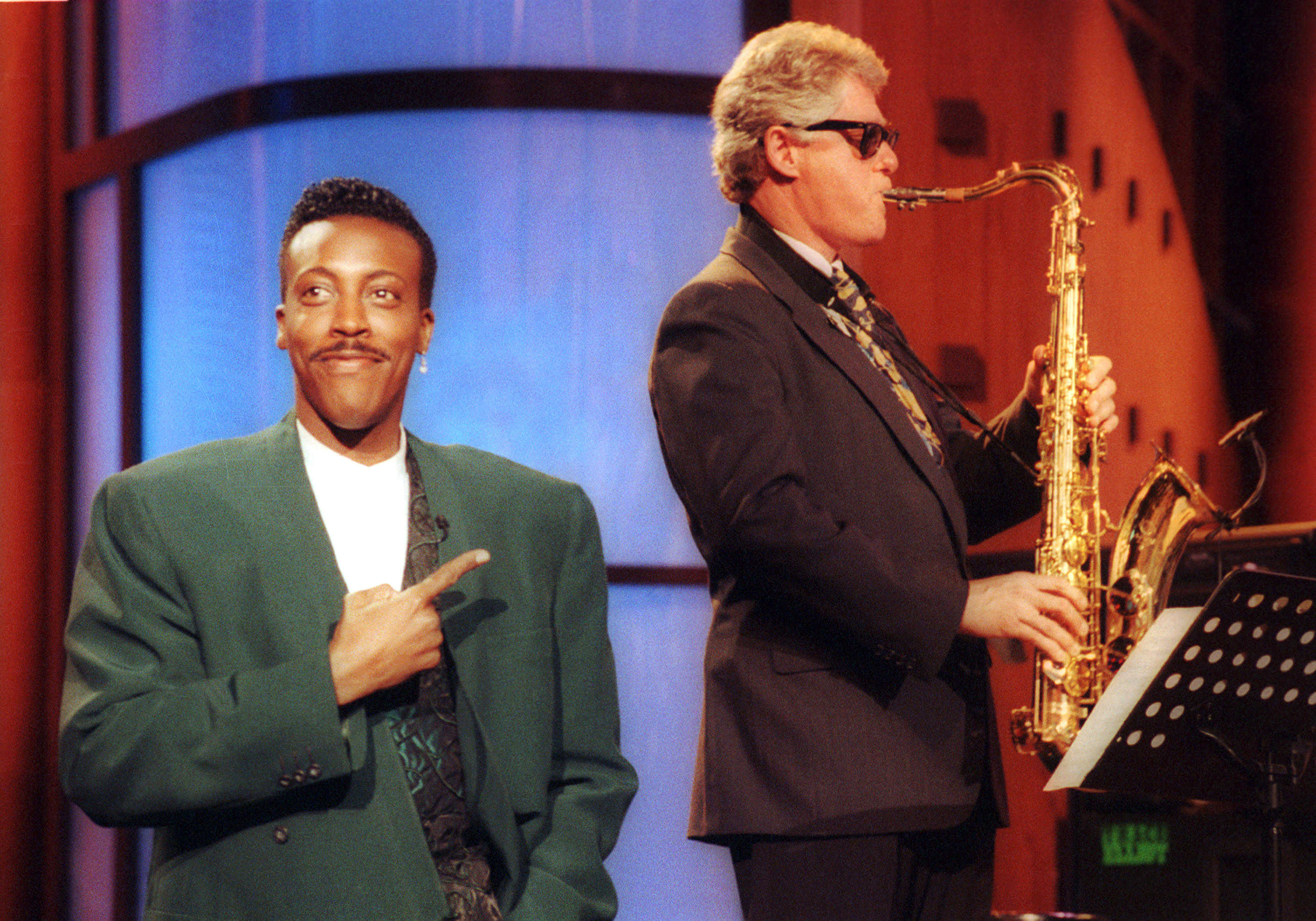 Bill Clinton plays the sax - Iconic presidential campaign moments - CBS News