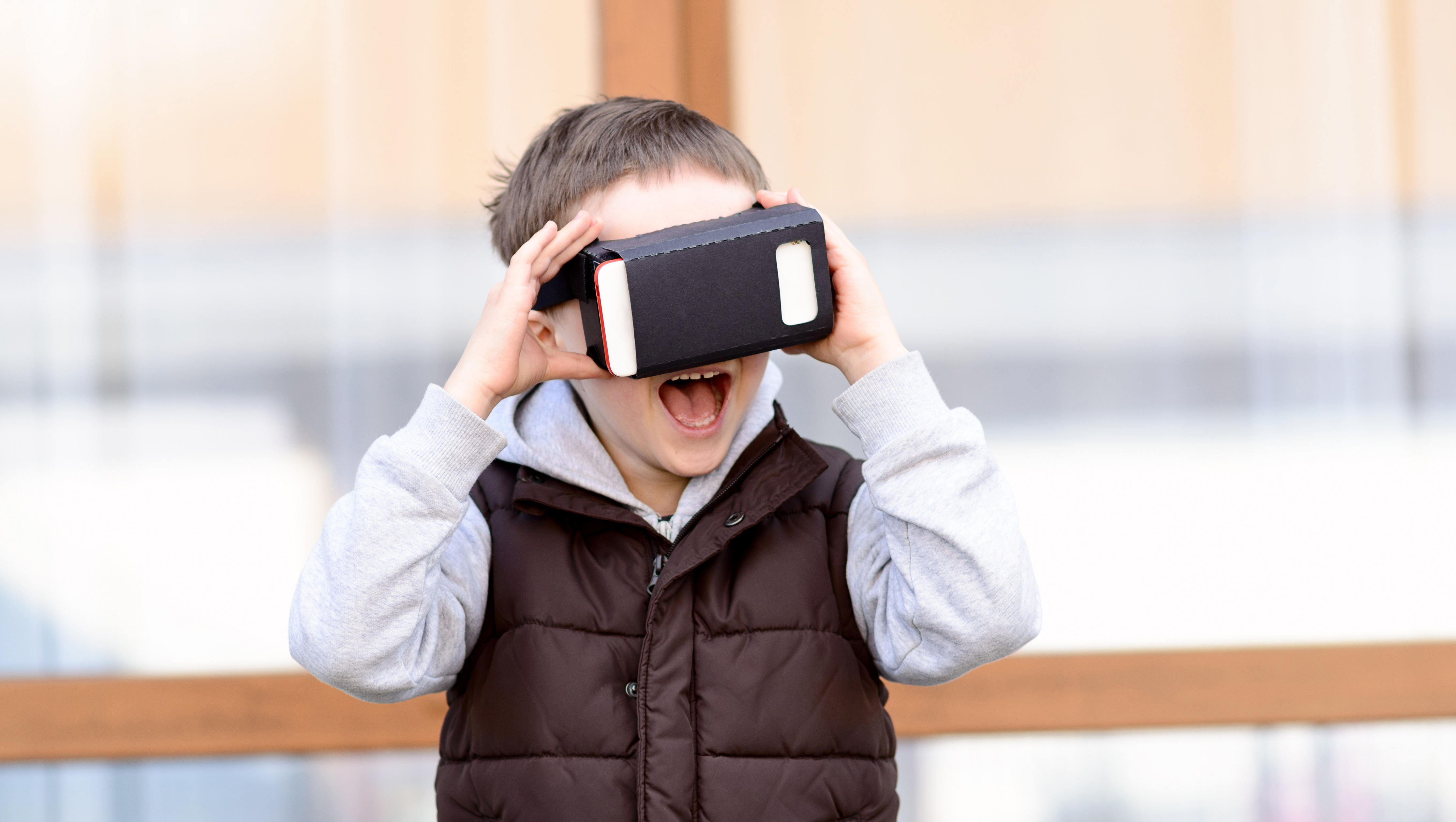 173e6bb13f92 Are virtual reality headsets safe for kids  - CBS News