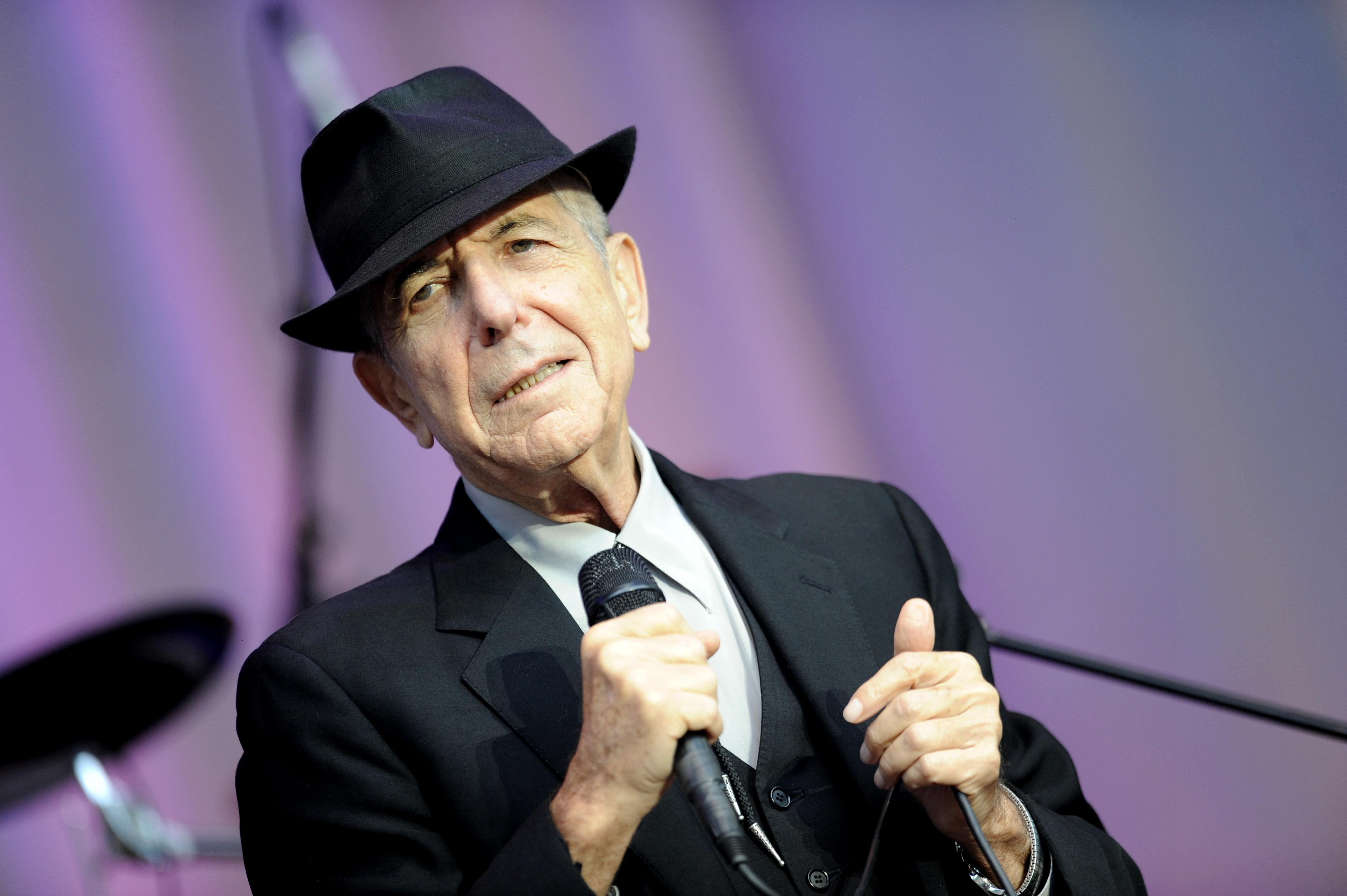 leonard cohen 39 s manager gives new details about his death cbs news. Black Bedroom Furniture Sets. Home Design Ideas