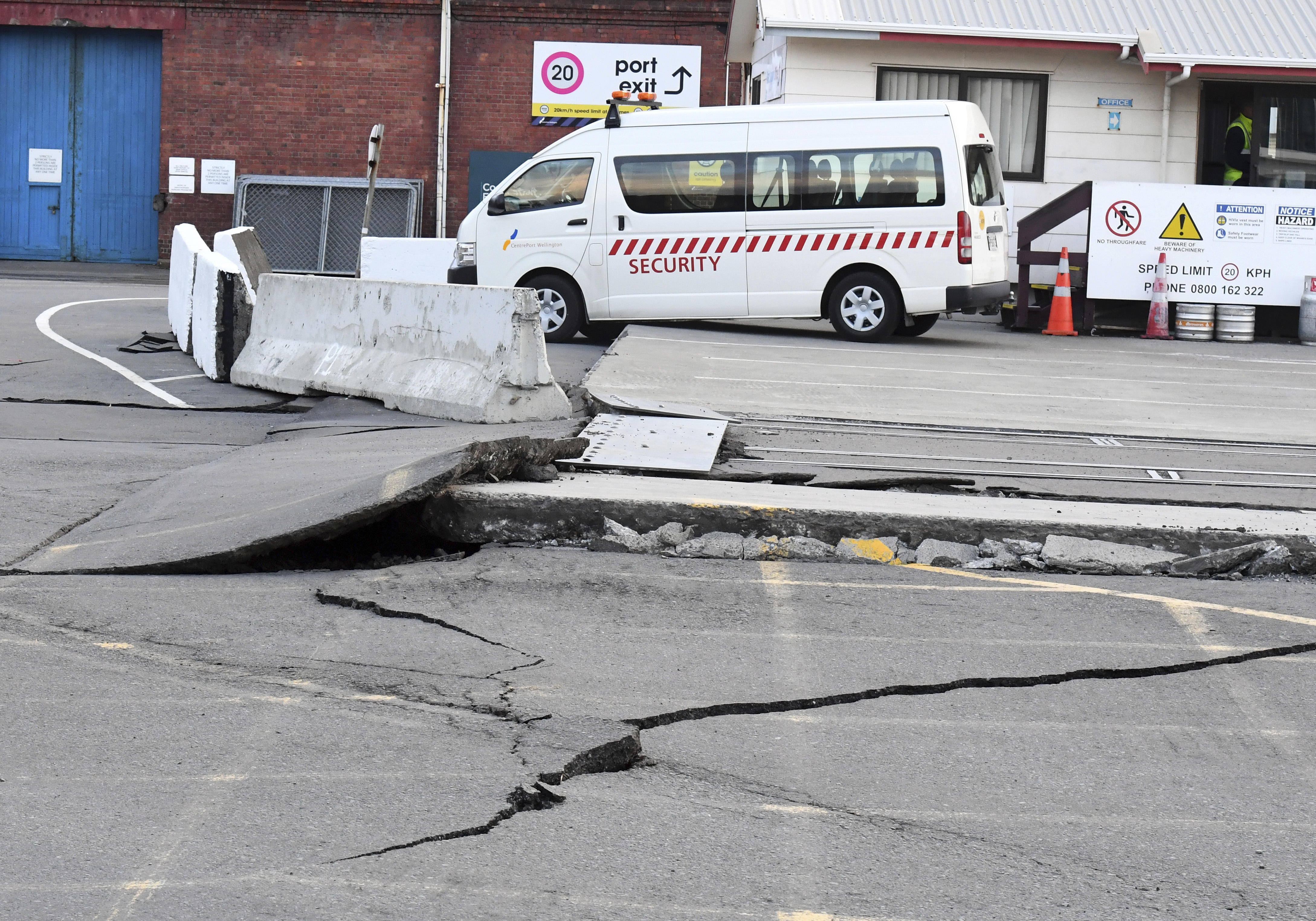 Powerful magnitude-7.8 earthquake hits Christchurch, New Zealand - CBS News