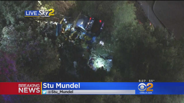 Los Angeles 405 freeway accident: 1 killed when car veers