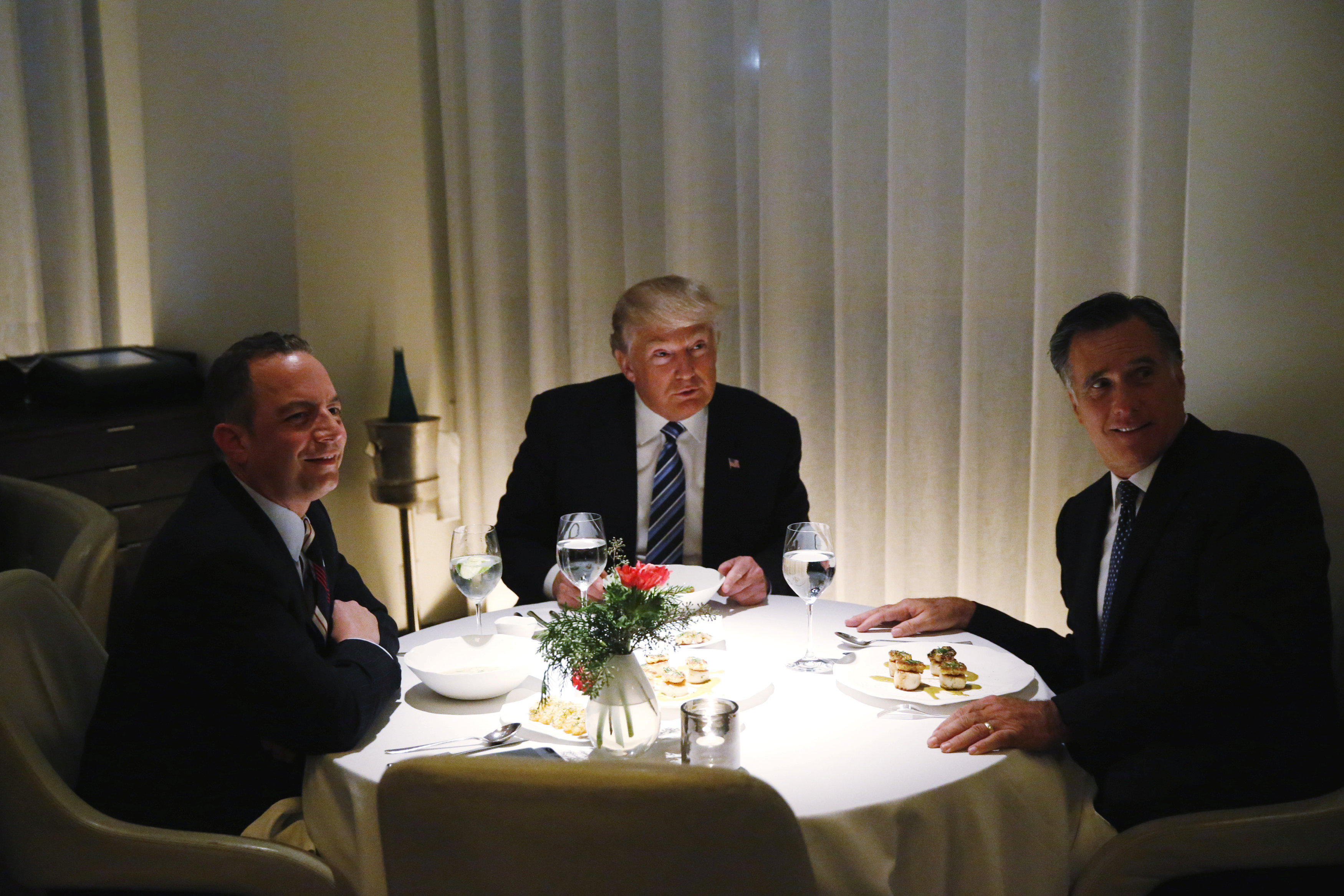 Donald Trump Mitt Romney dinner: President-elect meets with Romney ...