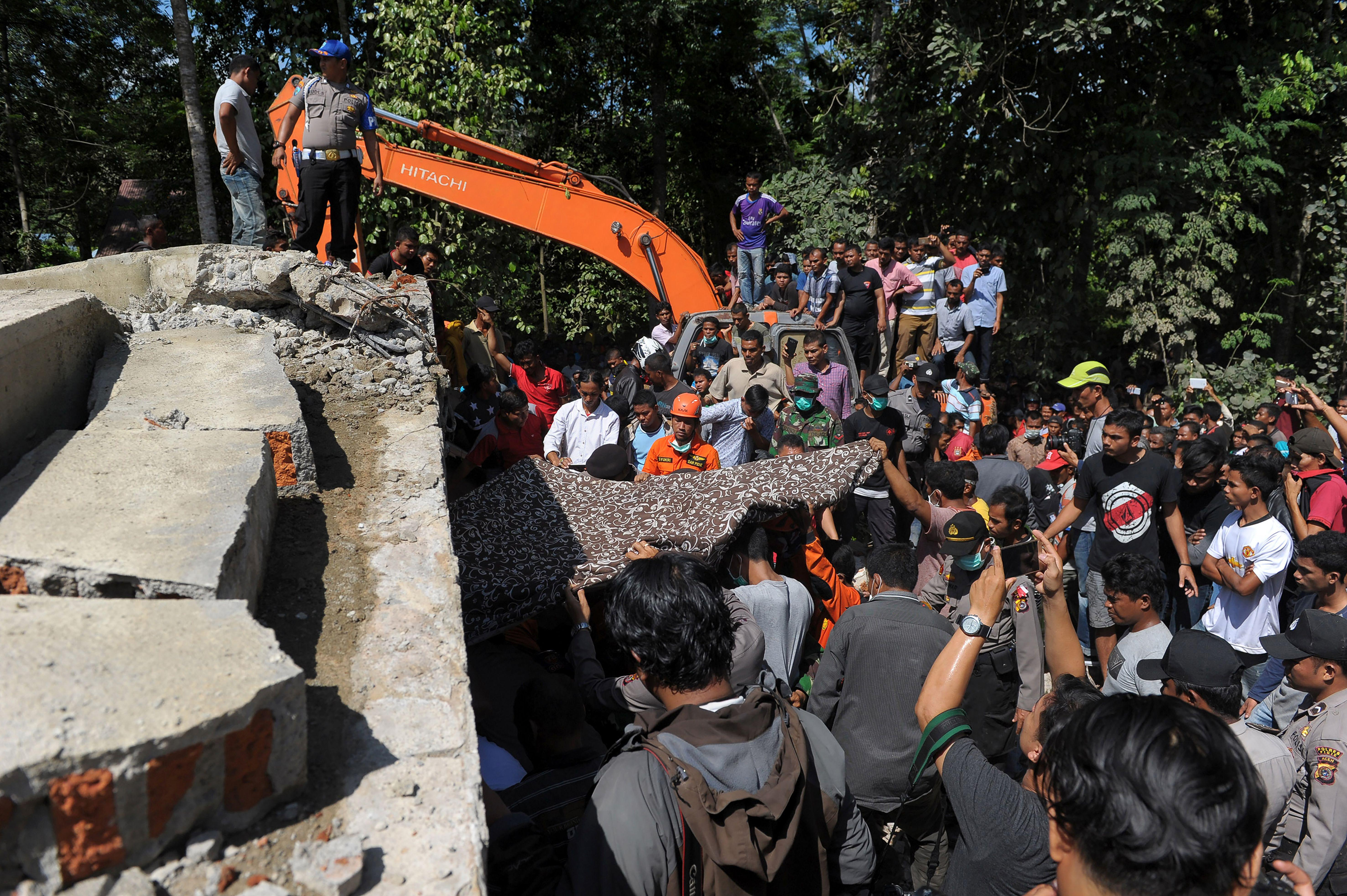 Indonesia earthquake leaves scores dead in Aceh province ...