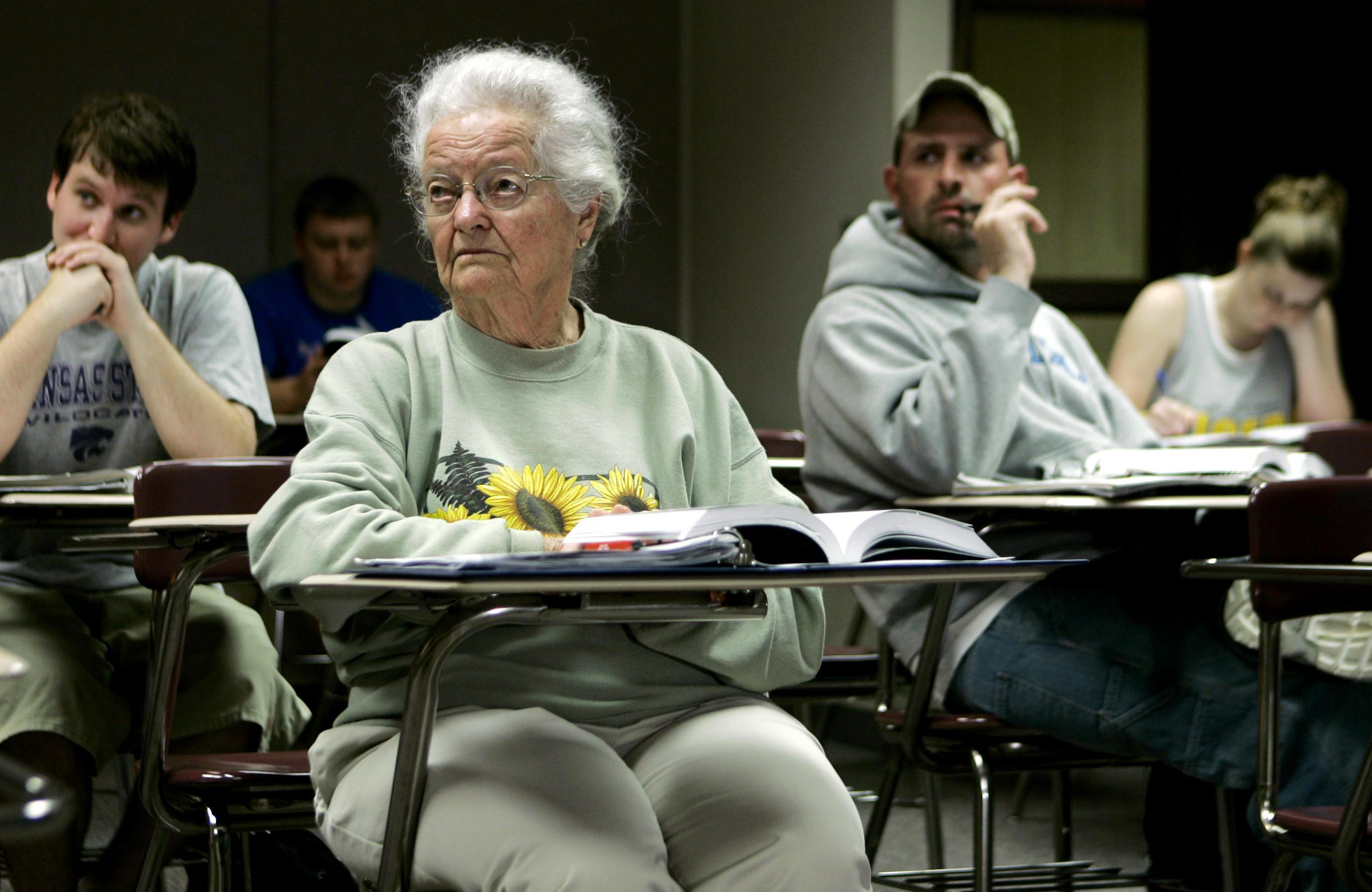 Nola Ochs, oldest woman to graduate college, dead at 105