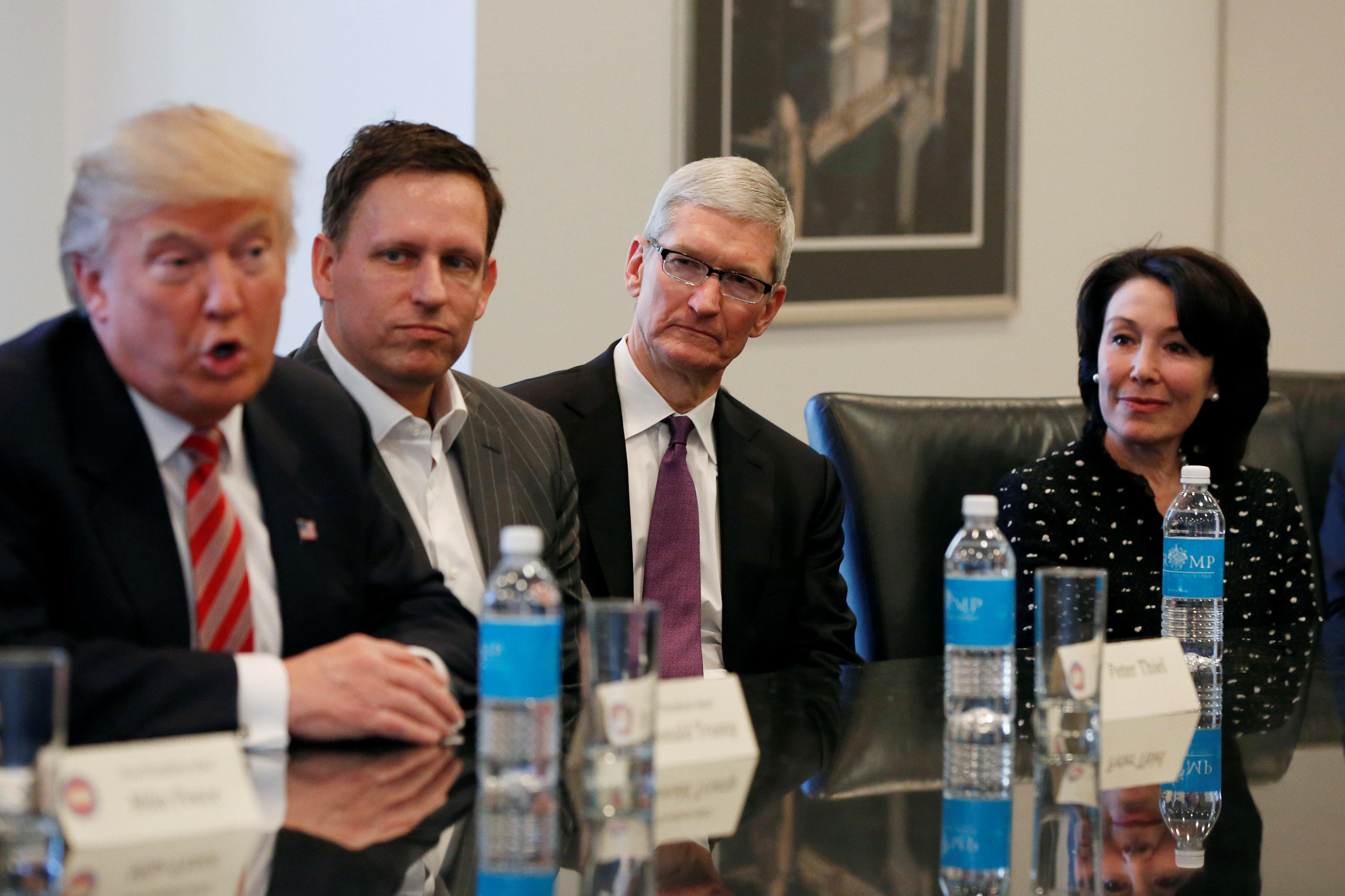 Trump Round Table.Trump Hosting Roundtable With Silicon Valley S Tech Leaders Cbs News