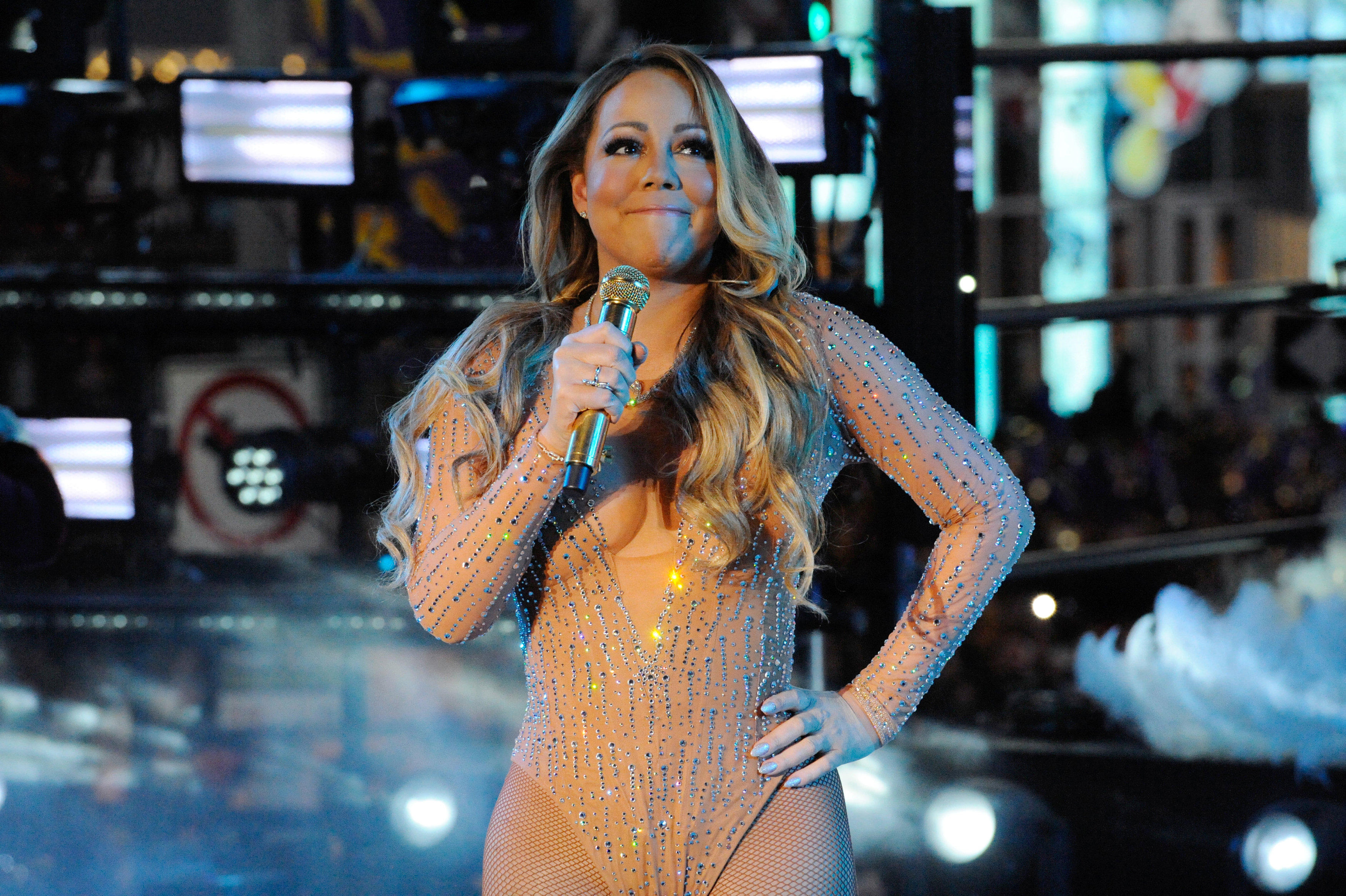 Mariah Carey New Years 2020 Mariah Carey Times Square New Year's Eve performance: Singer's