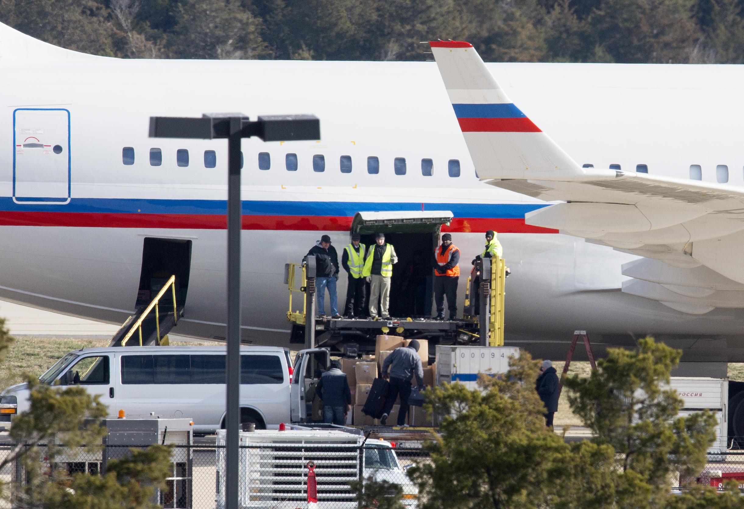 35 Russian diplomats depart U S , state department says