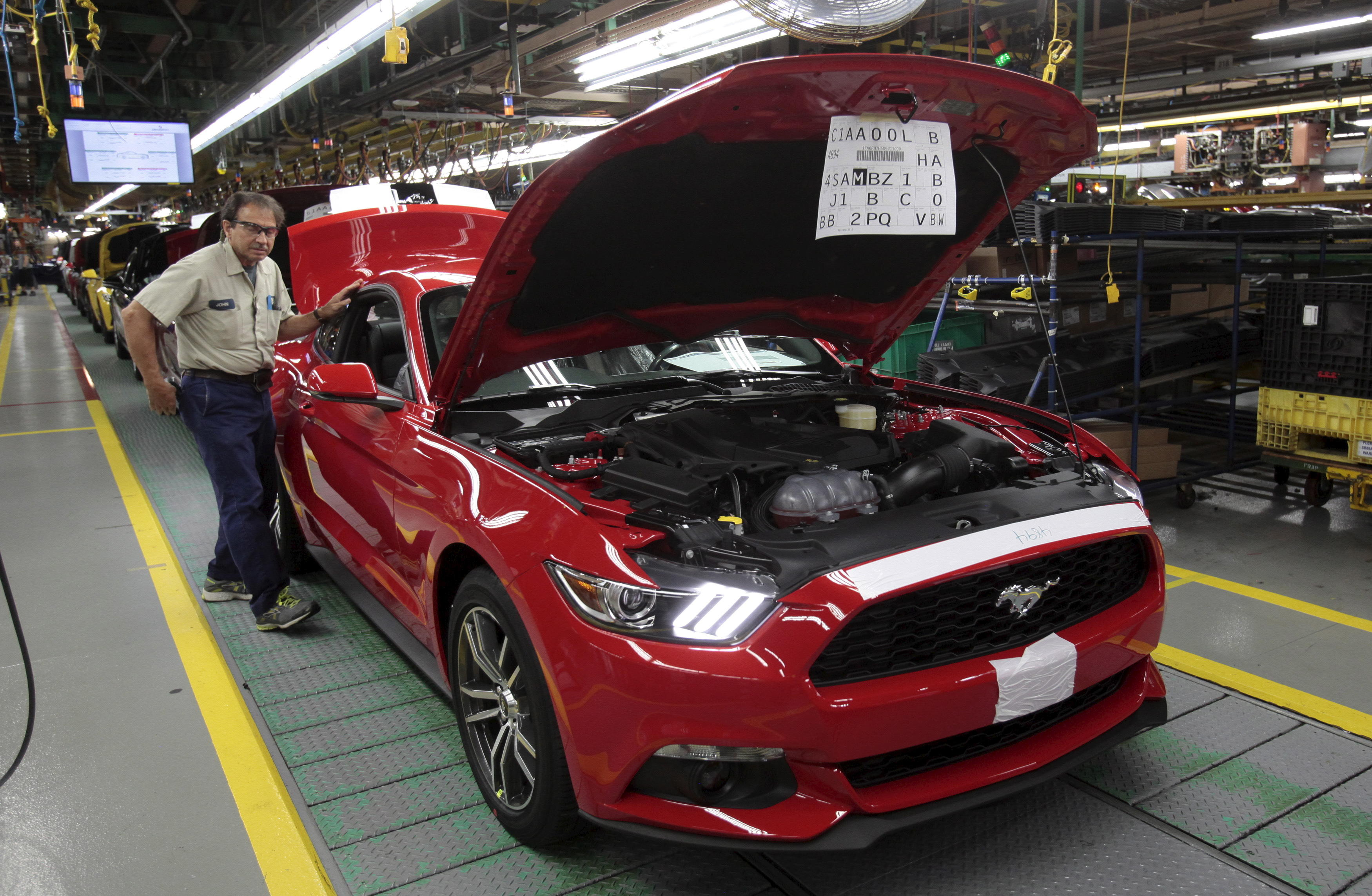 Ford Cancels Planned 1 6m Mexico Plant Announces 700m Investment In Michigan