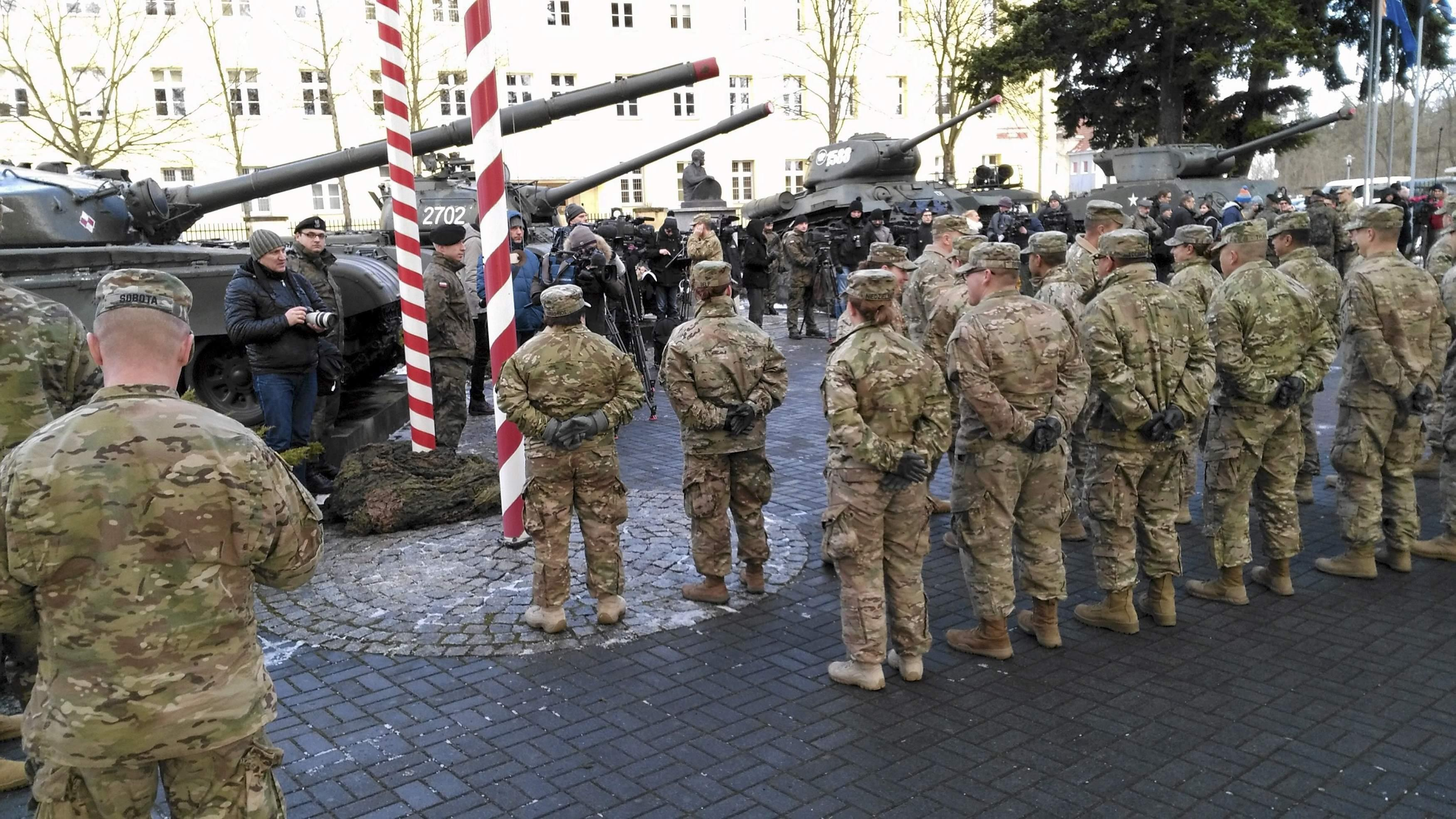 Russia Cites Threat As US Troops And Tanks Roll Into Poland - Us troops near russia map