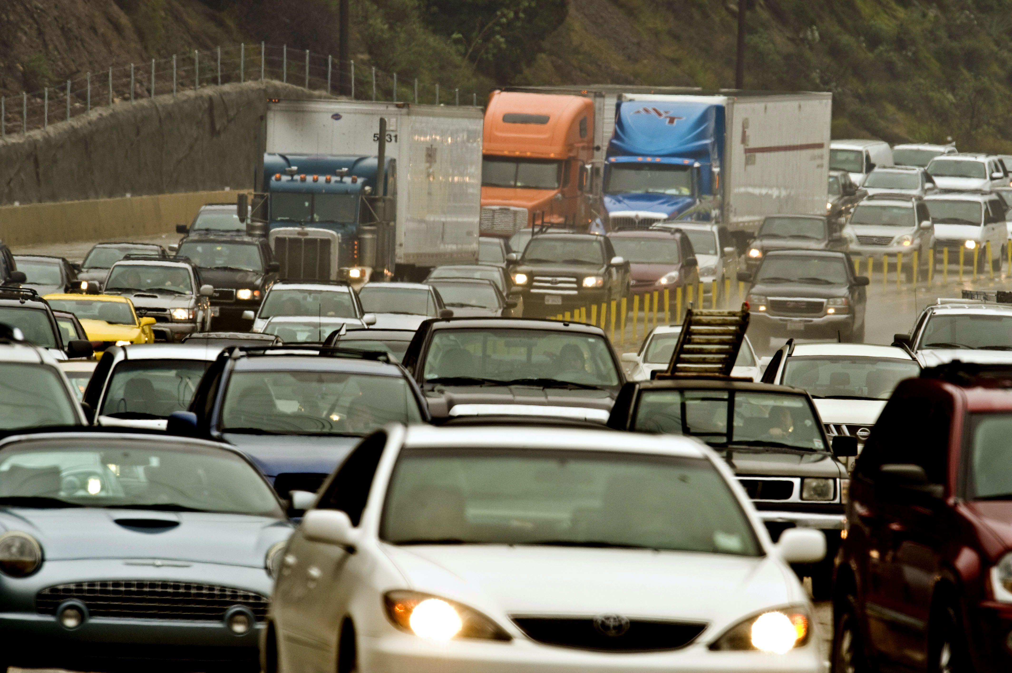 With traffic deaths rising, new report shows which states