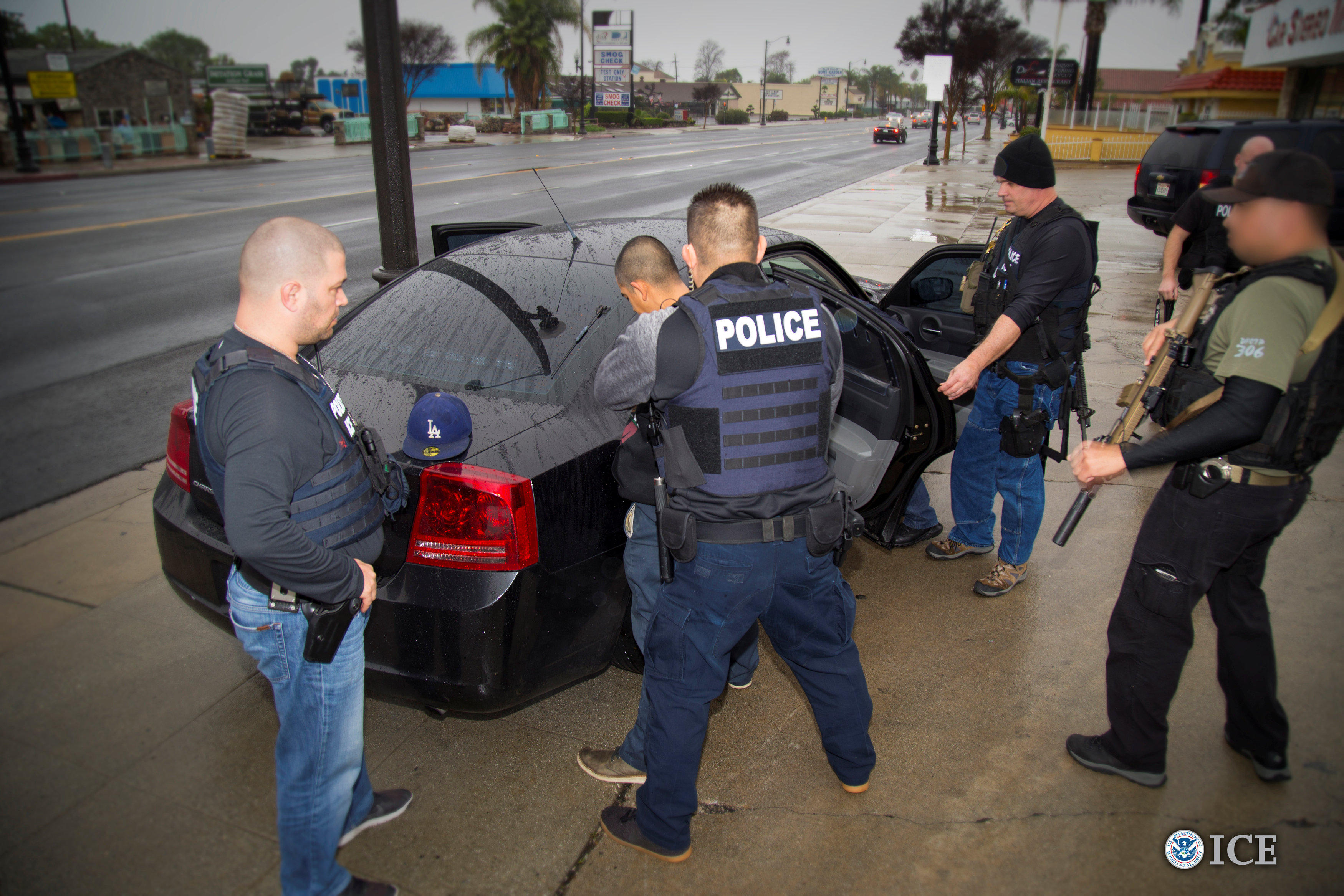 160 people arrested in L A  immigration crackdown, feds say