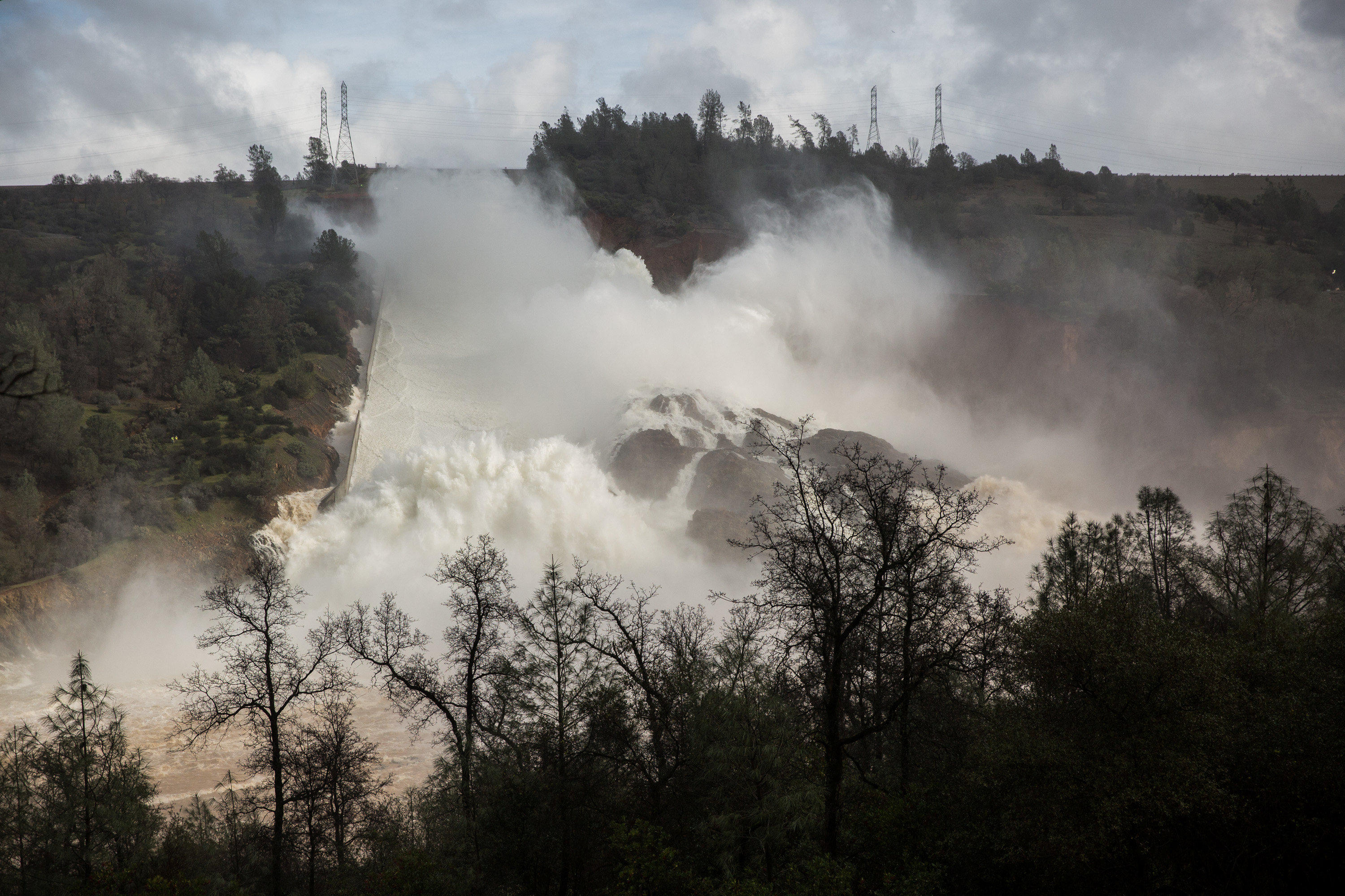 Oroville Dam spillway vulnerability warnings by