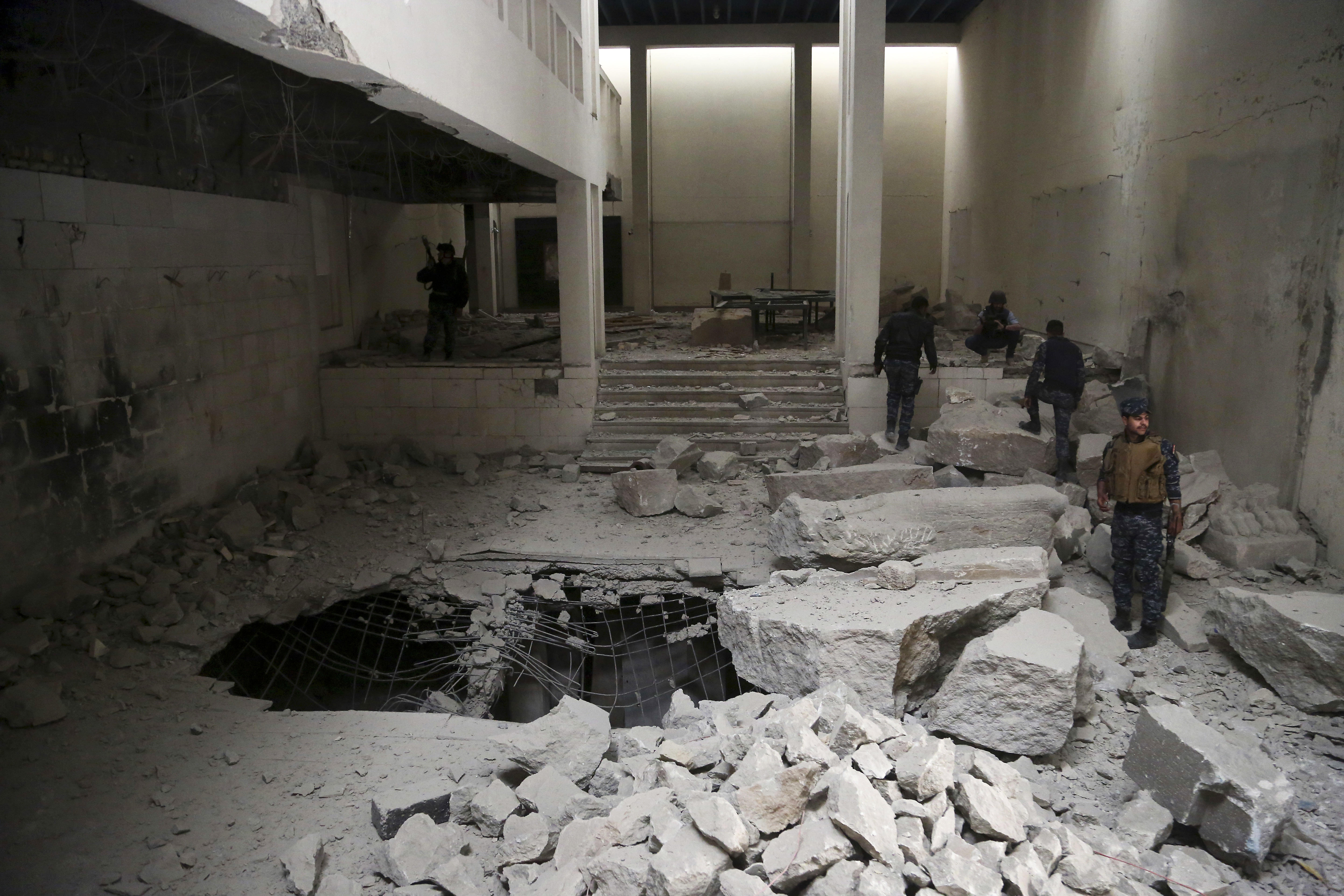 Isis Leaves Mosul Museum In Ruins As Iraq Forces Advance