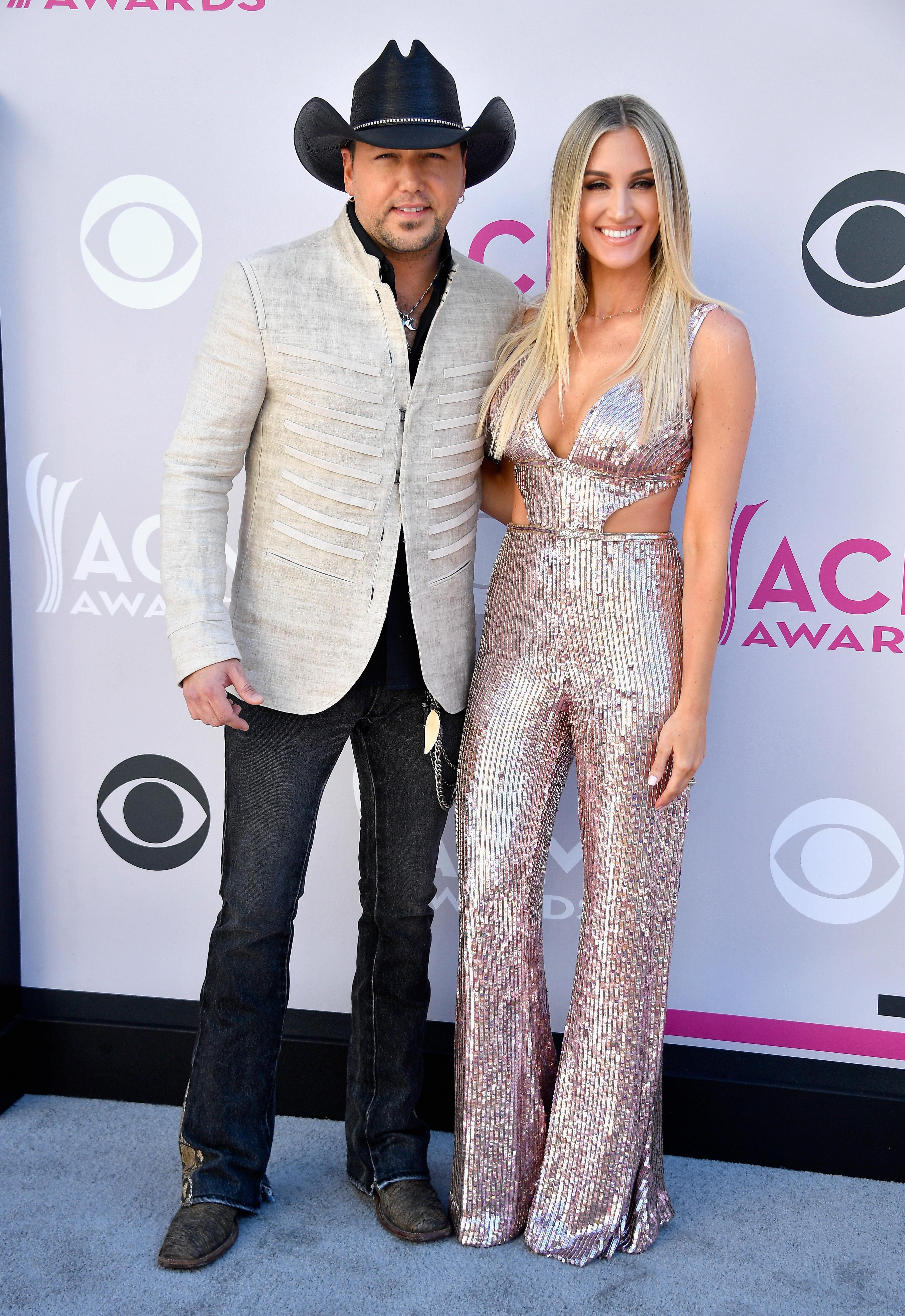 Jason Aldean And Brittany Kerr Announce Pregnancy Cbs News