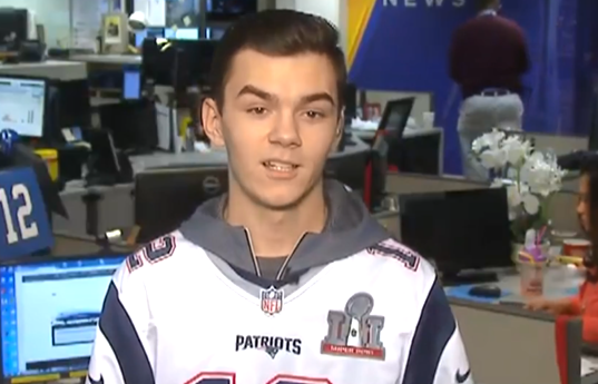 48437c566 Tip from Patriots fan led FBI to Tom Brady s stolen jerseys - CBS News